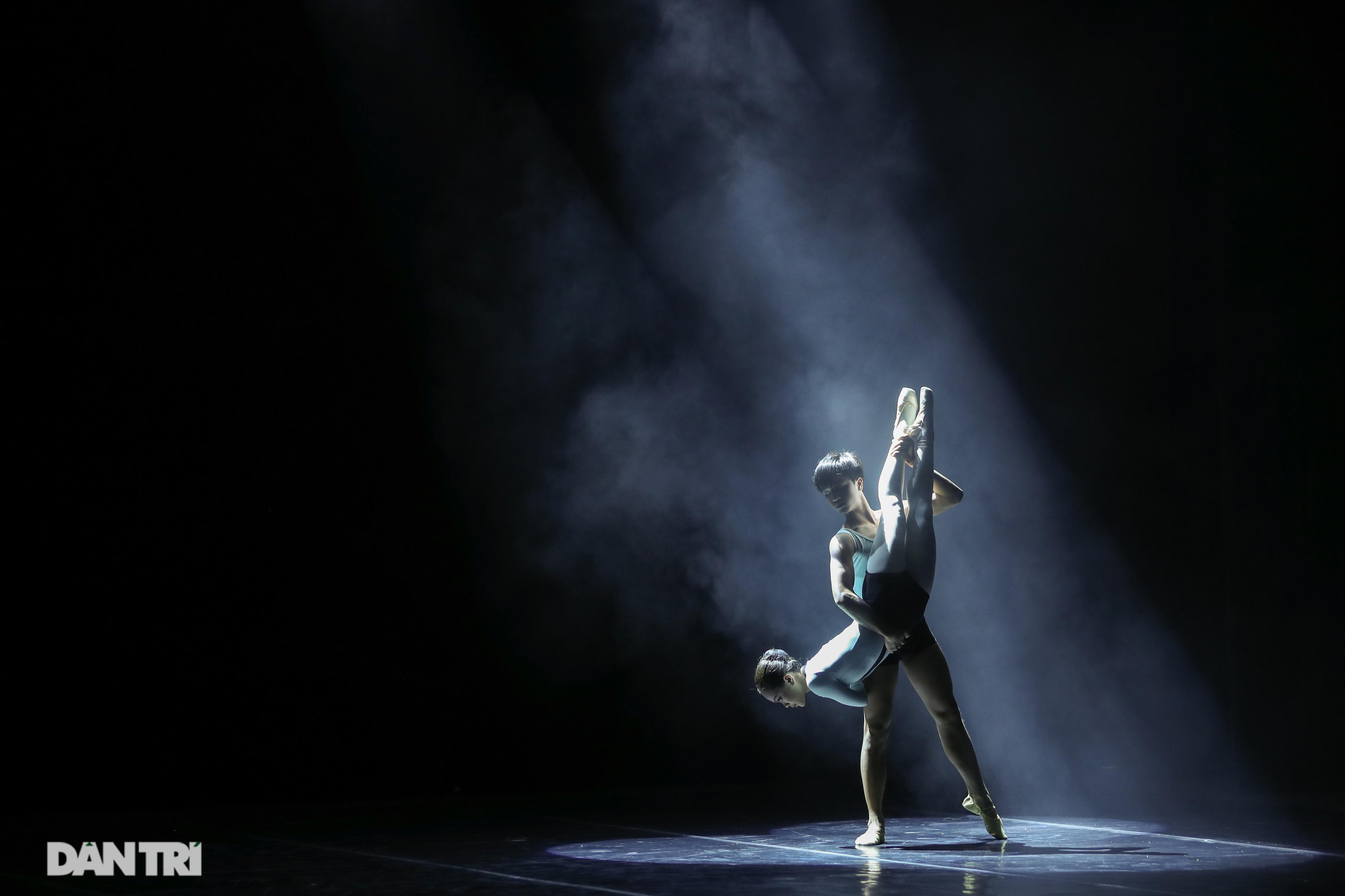 Khoảnh khắc mê hồn tại cuộc thi Tài năng biểu diễn múa - 9