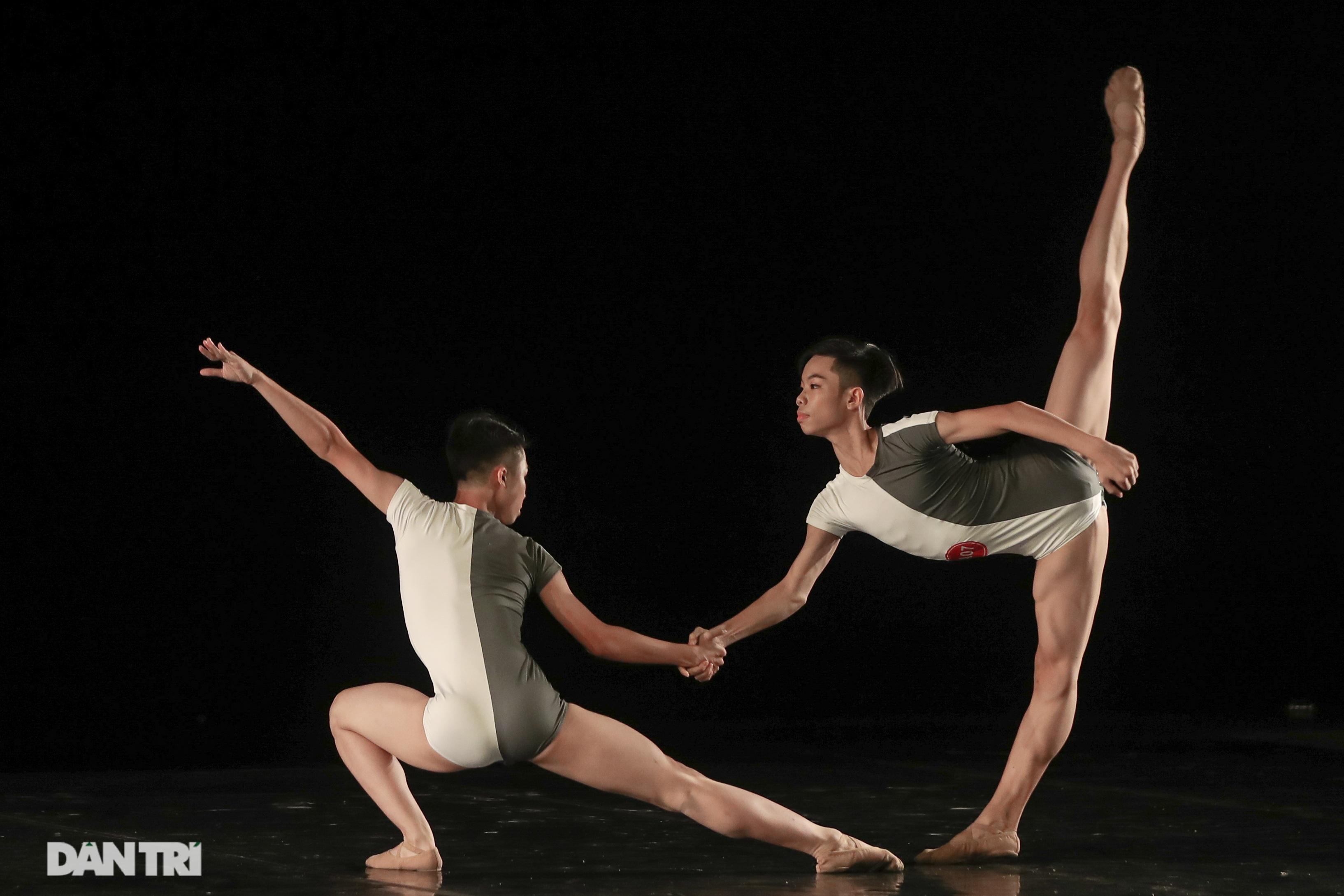 Khoảnh khắc mê hồn tại cuộc thi Tài năng biểu diễn múa - 25