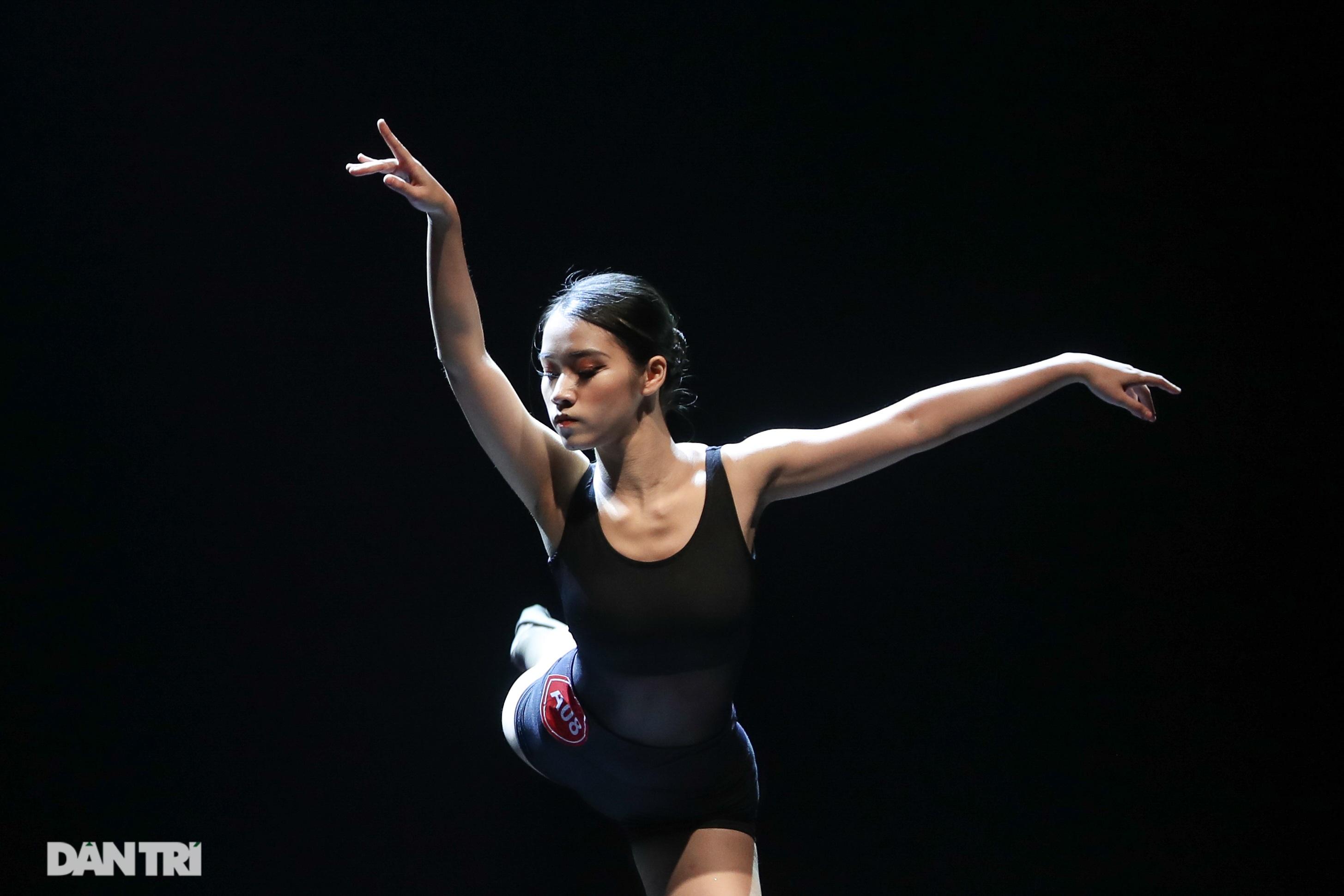 Khoảnh khắc mê hồn tại cuộc thi Tài năng biểu diễn múa - 28