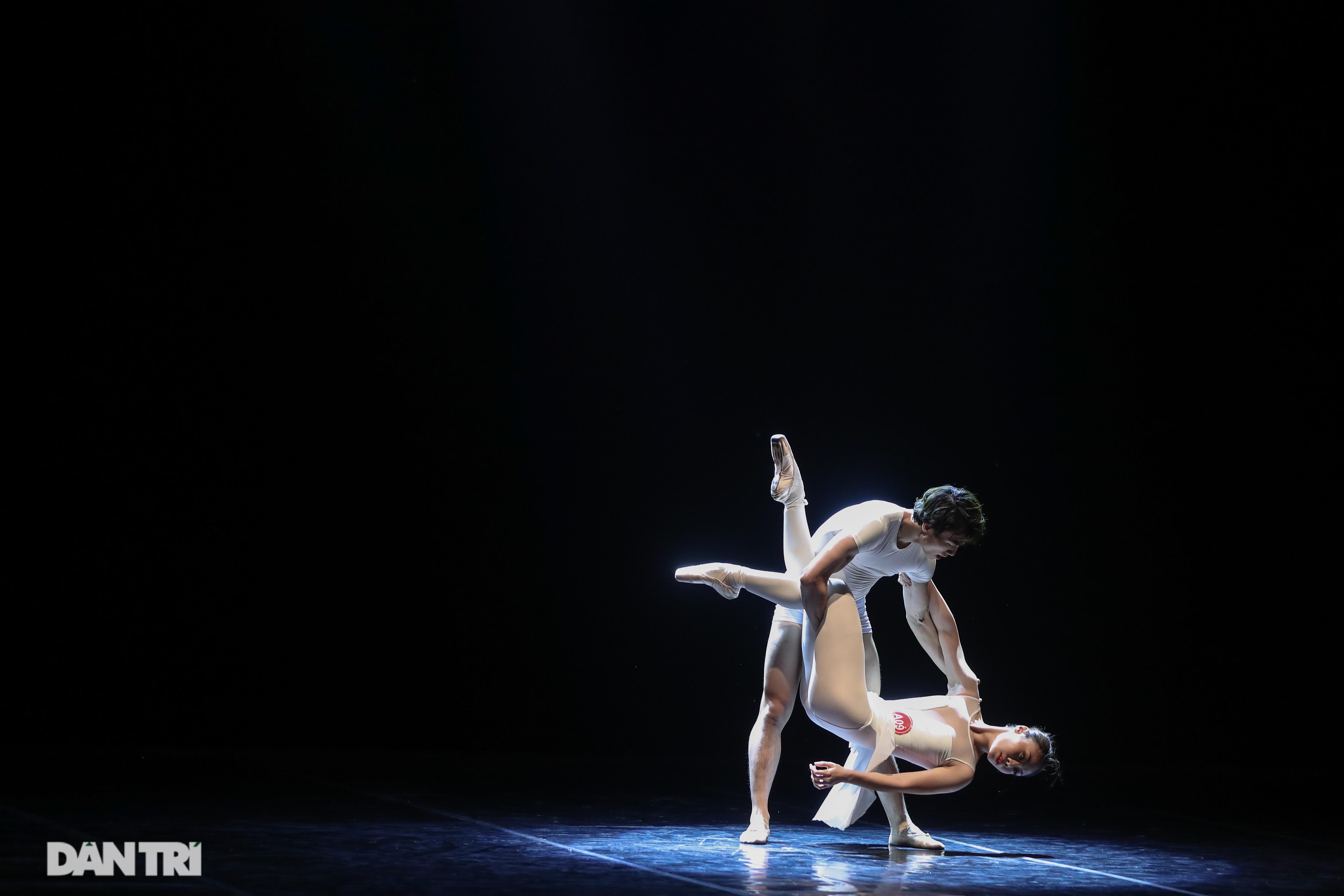 Khoảnh khắc mê hồn tại cuộc thi Tài năng biểu diễn múa - 14