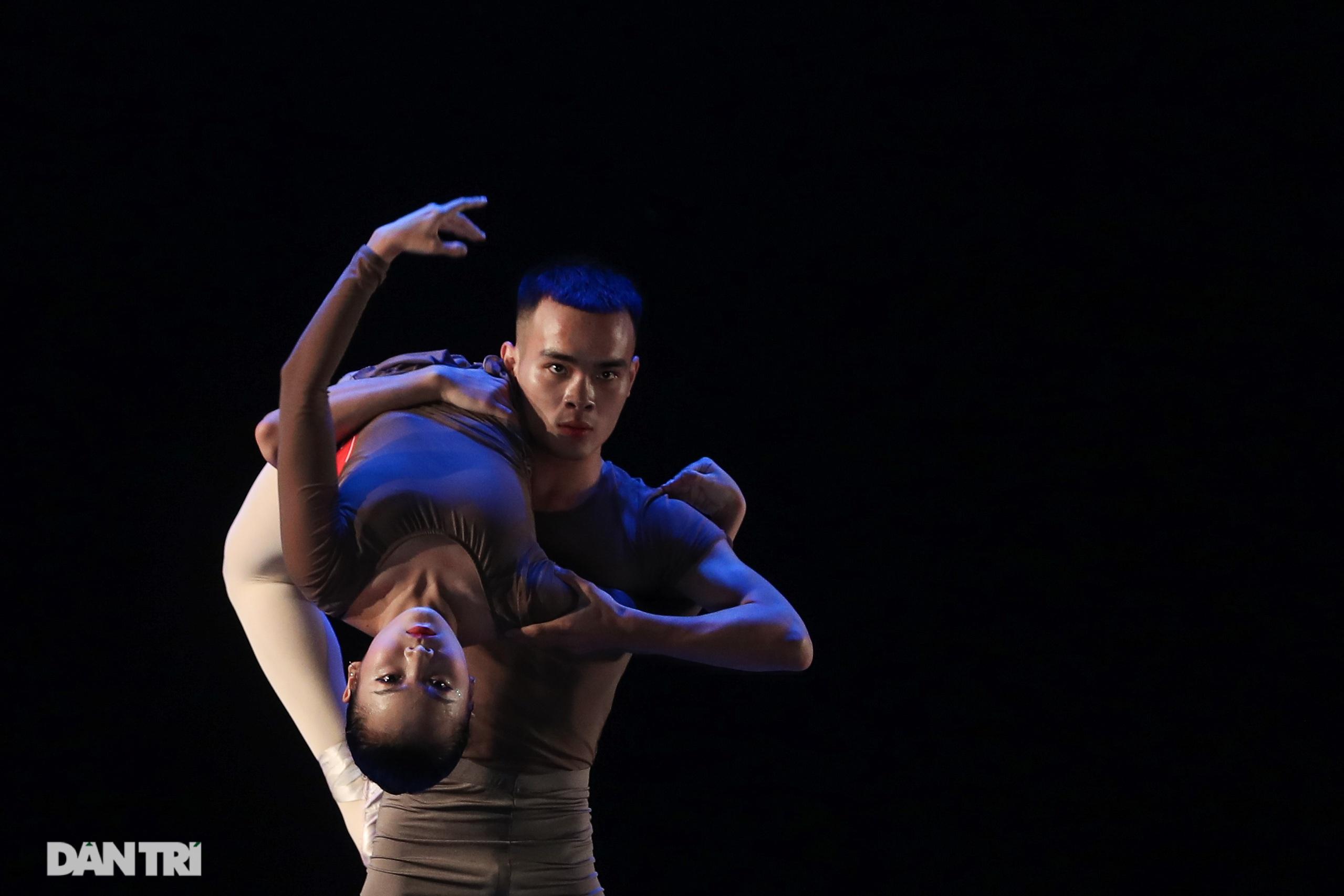 Khoảnh khắc mê hồn tại cuộc thi Tài năng biểu diễn múa - 33