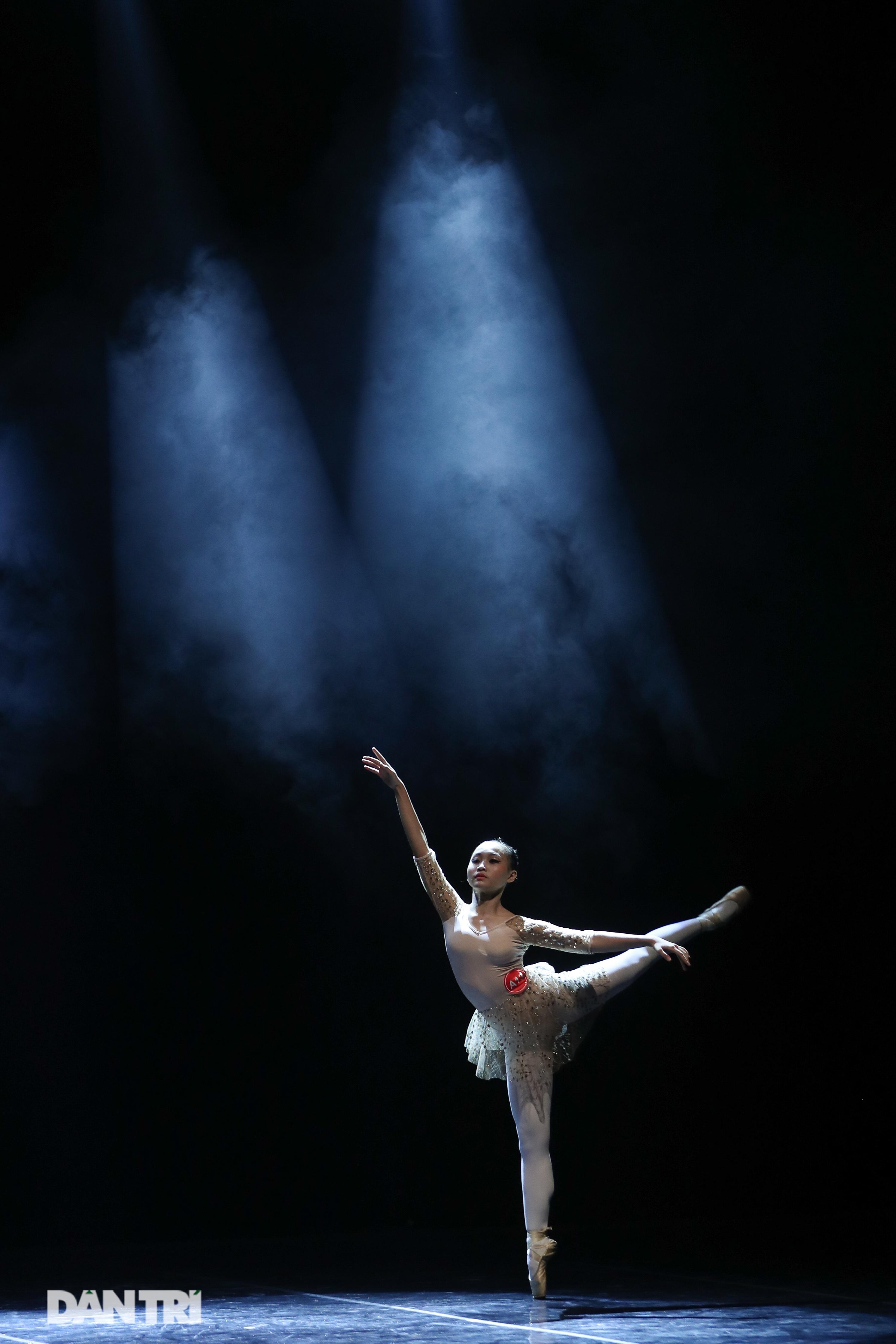 Khoảnh khắc mê hồn tại cuộc thi Tài năng biểu diễn múa - 12