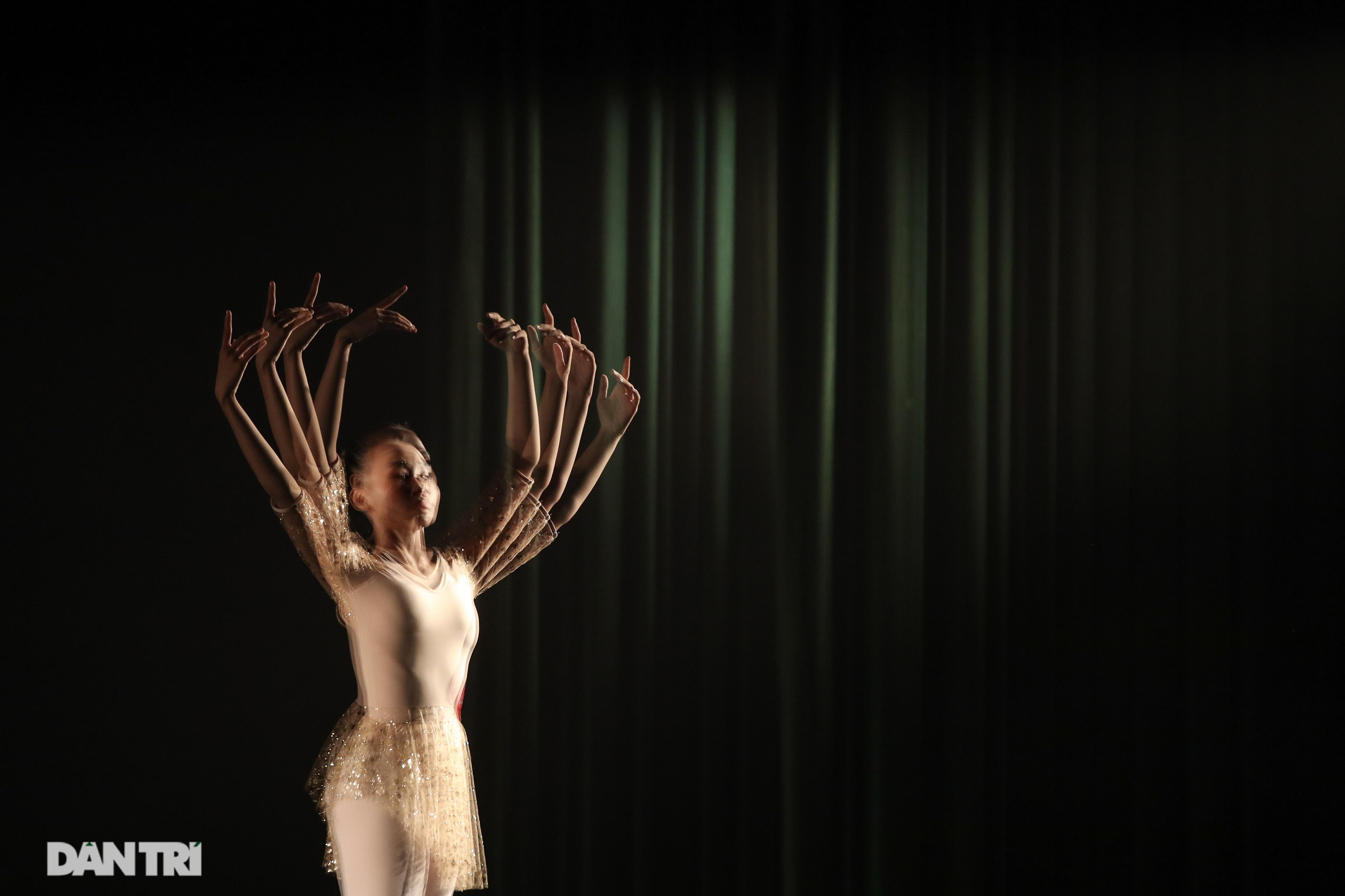 Khoảnh khắc mê hồn tại cuộc thi Tài năng biểu diễn múa - 6