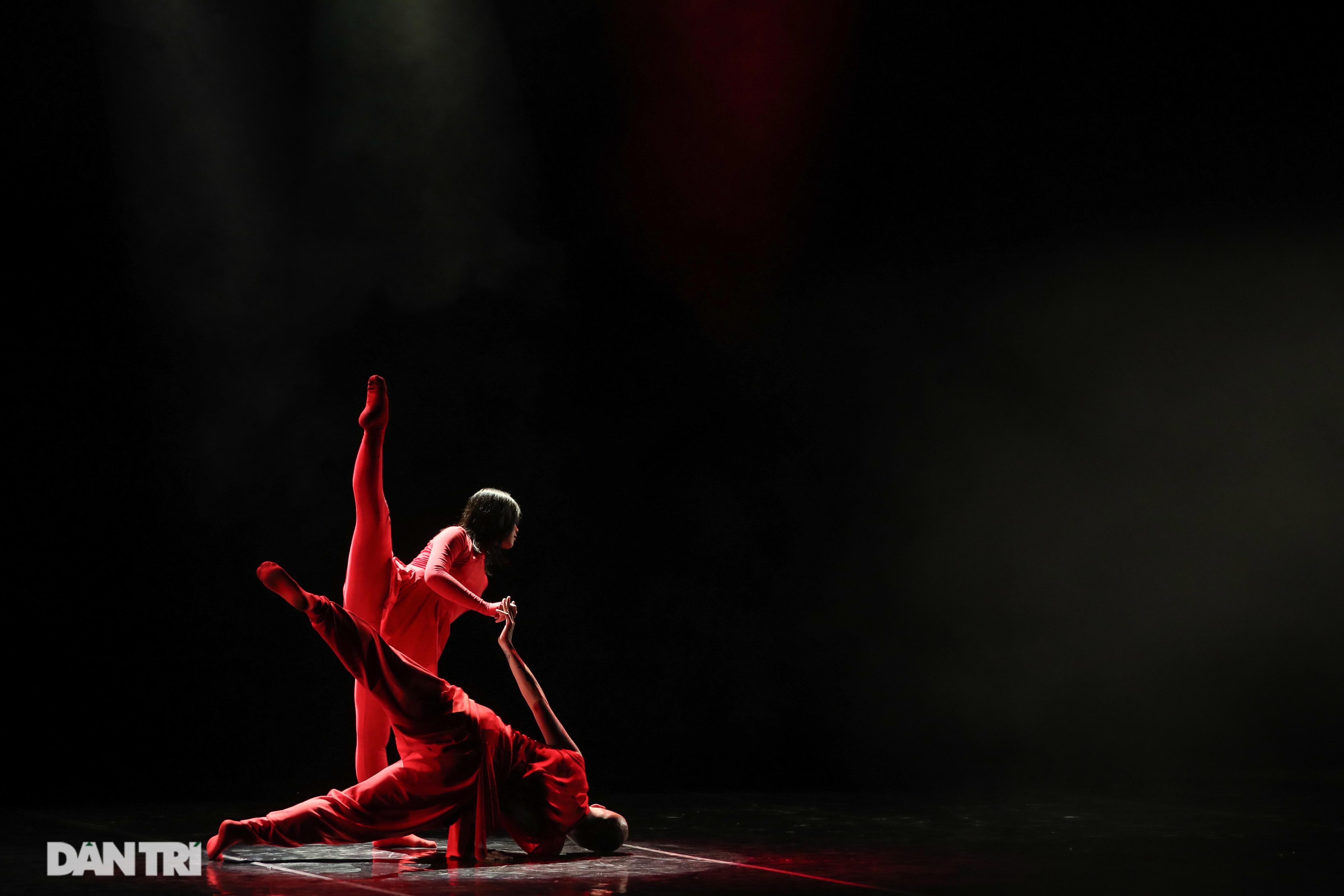 Khoảnh khắc mê hồn tại cuộc thi Tài năng biểu diễn múa - 13
