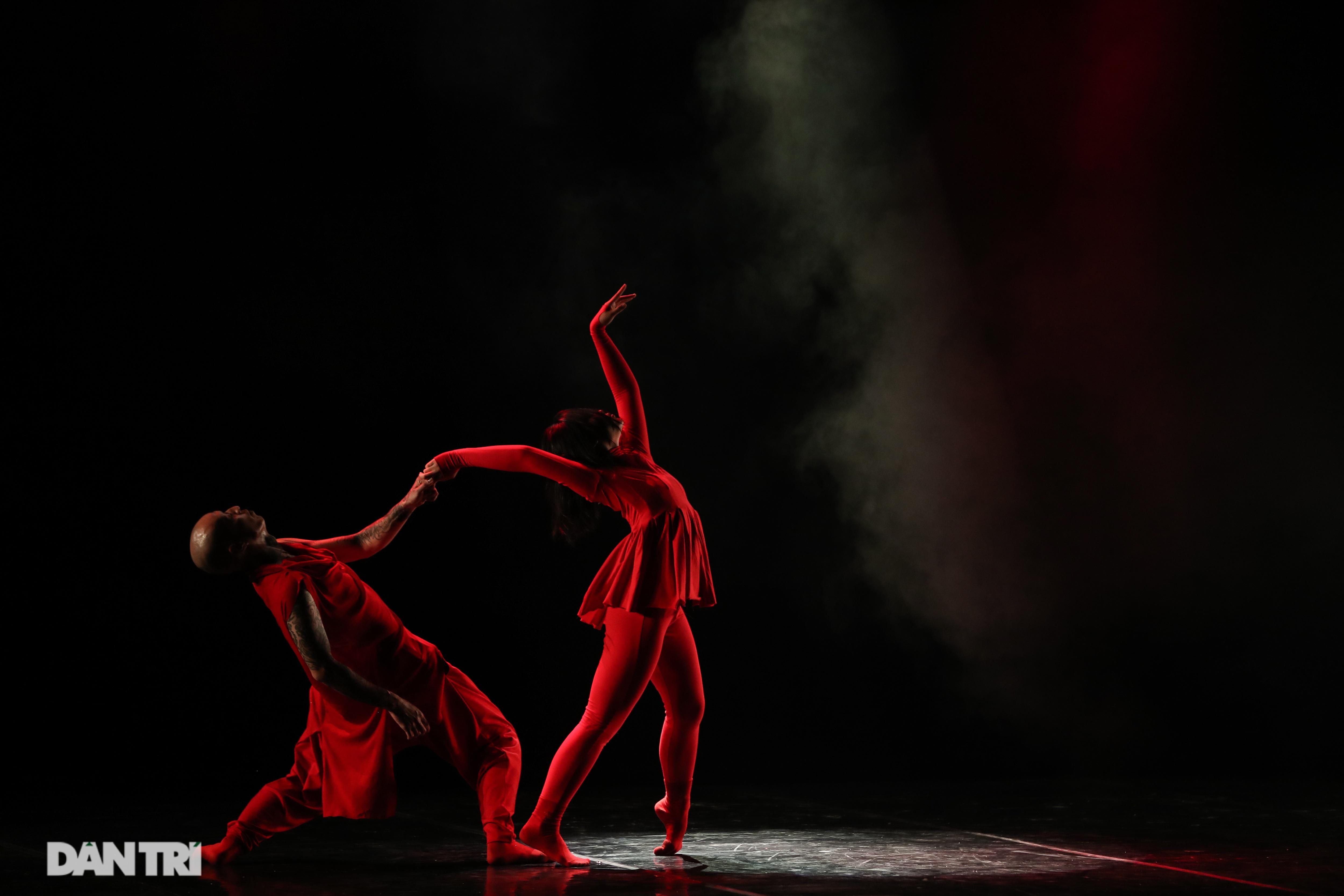 Khoảnh khắc mê hồn tại cuộc thi Tài năng biểu diễn múa - 11