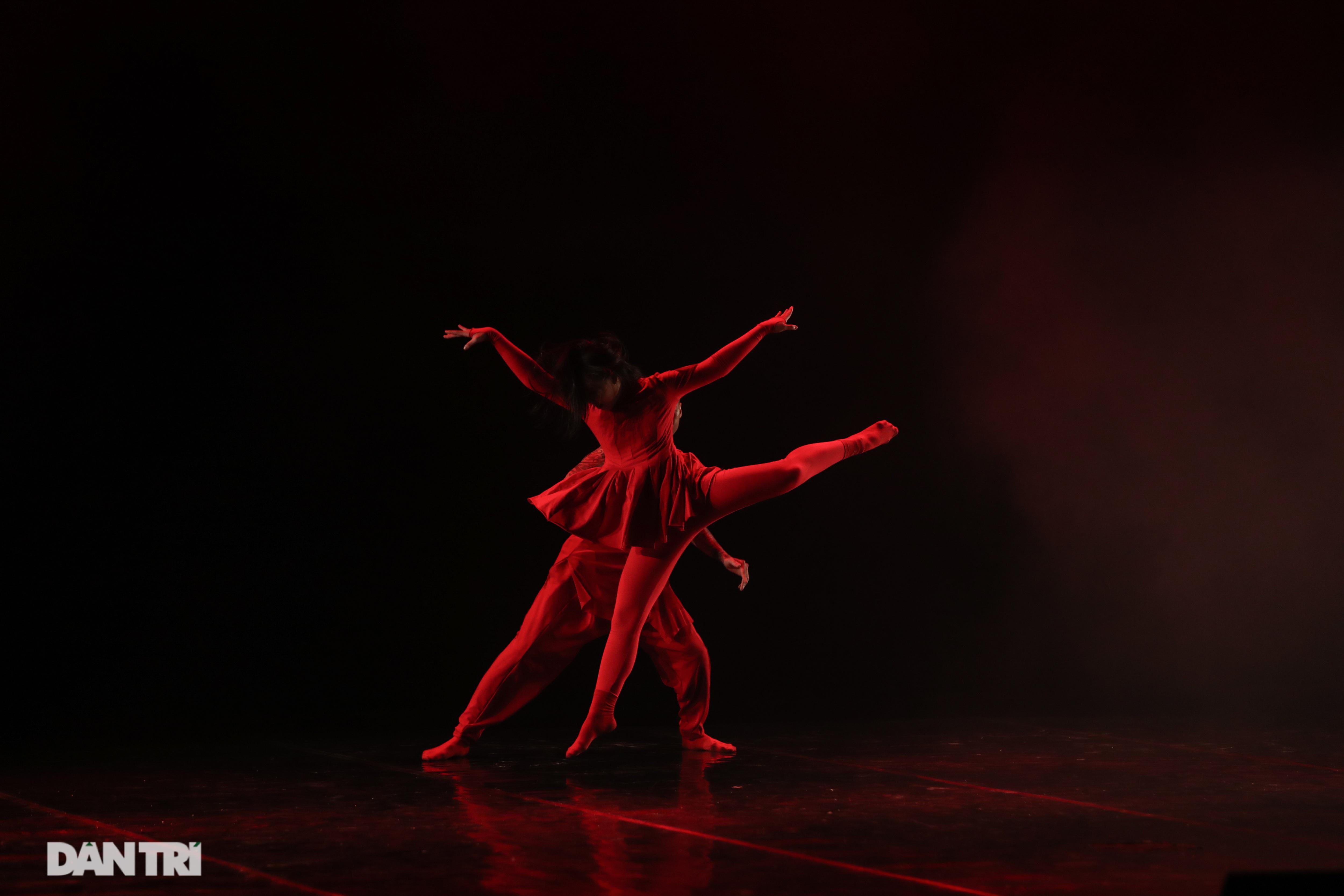 Khoảnh khắc mê hồn tại cuộc thi Tài năng biểu diễn múa - 8