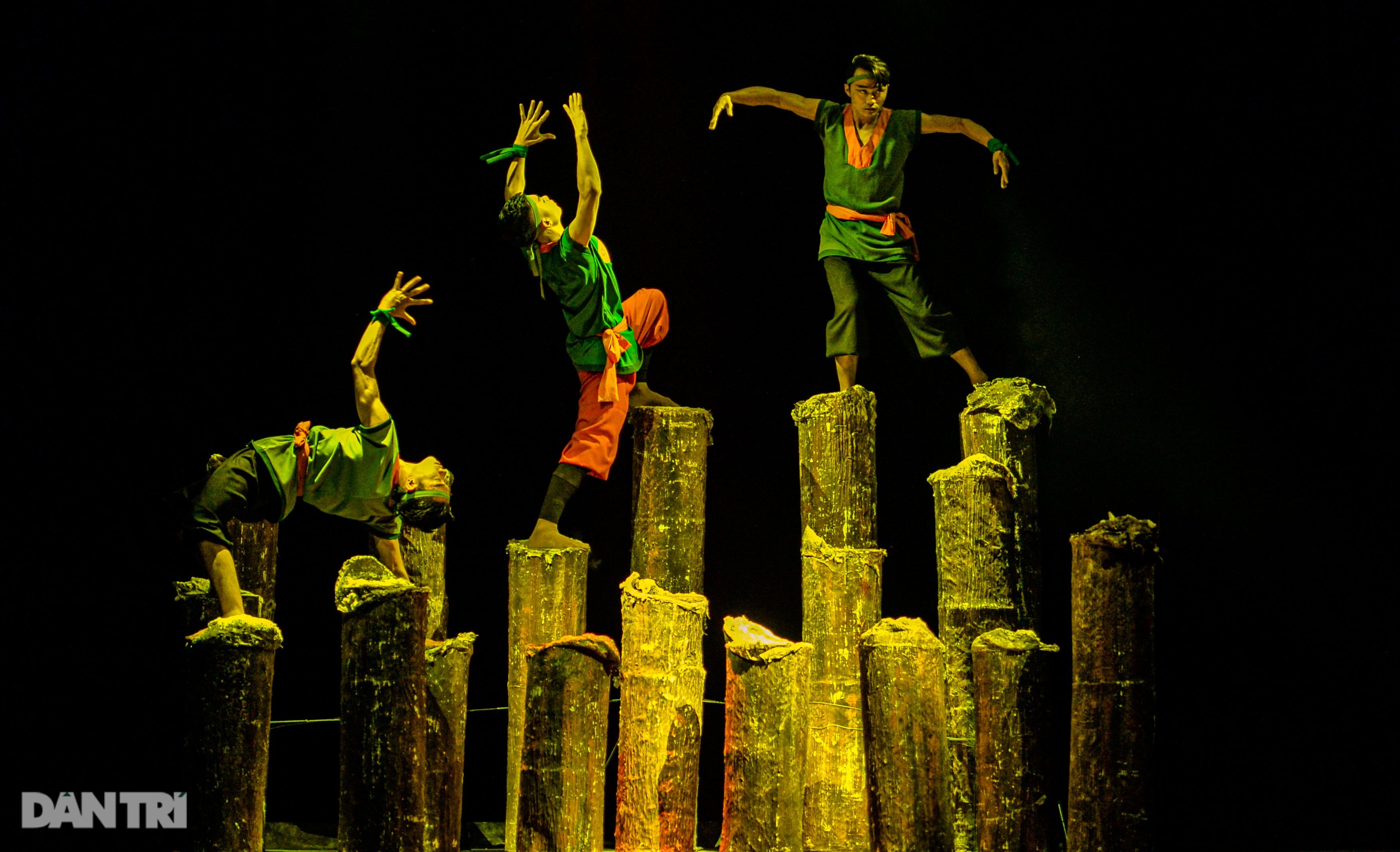 """""""Súy Vân"""", """"Hề chèo"""" thu hút người xem đêm diễn Tài năng múa - 30"""