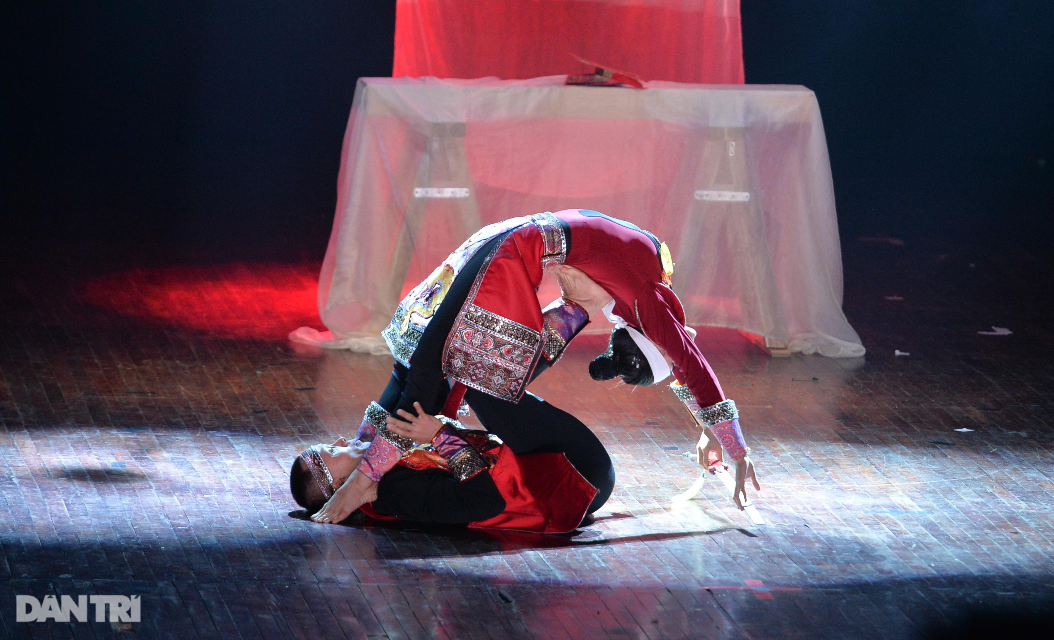 """""""Súy Vân"""", """"Hề chèo"""" thu hút người xem đêm diễn Tài năng múa - 29"""