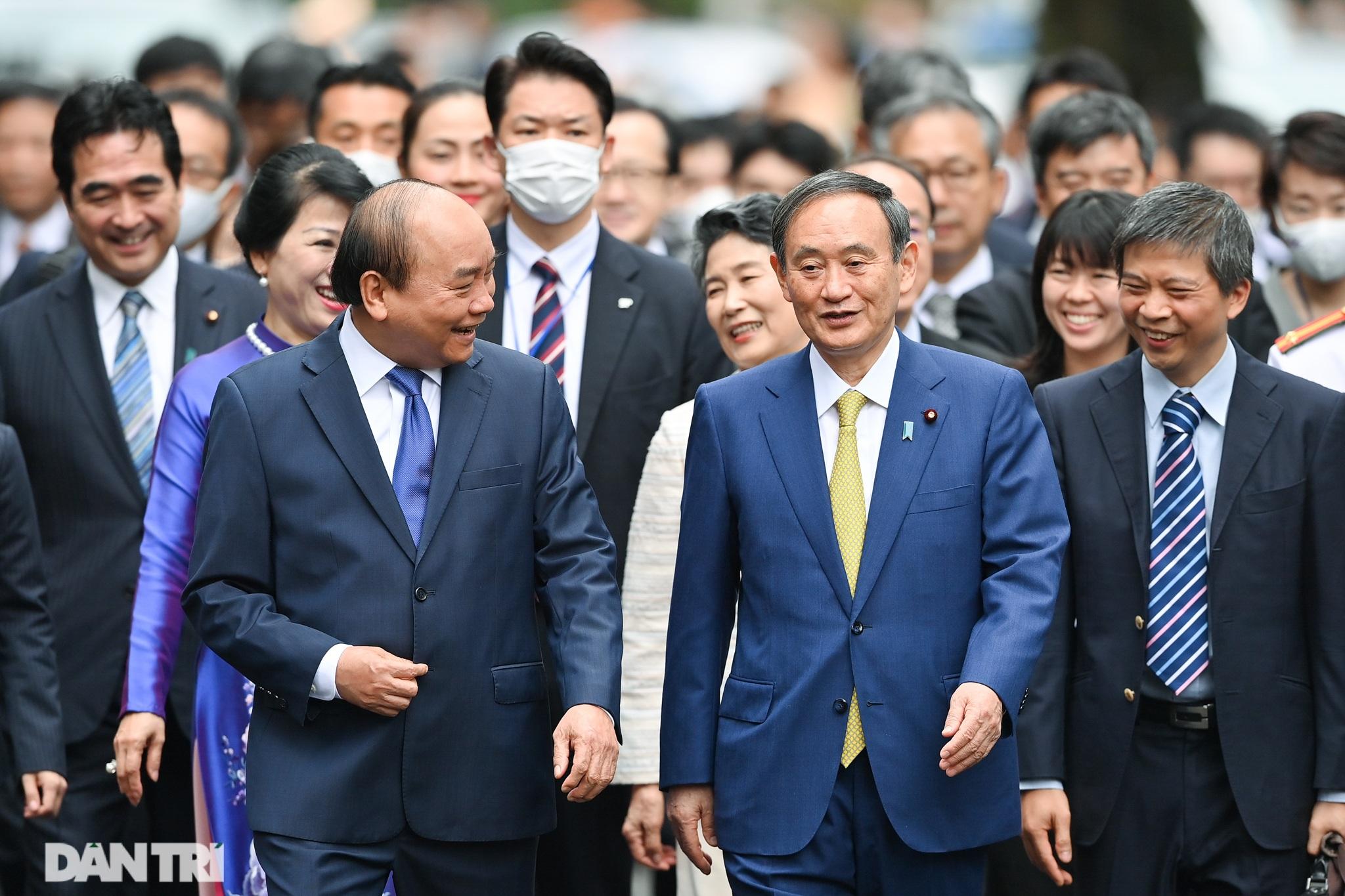Lễ đón chính thức Thủ tướng Nhật Bản Suga Yoshihide và phu nhân tại Hà Nội - 7