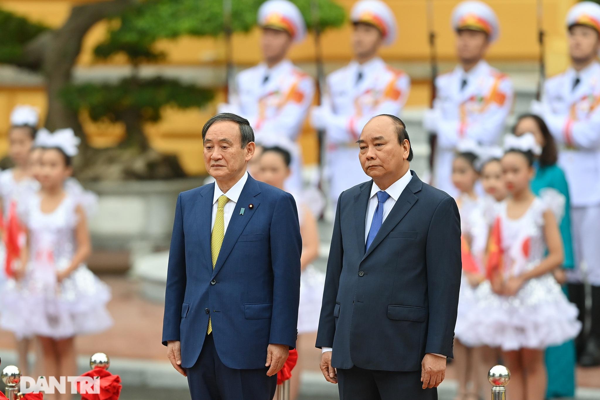 Lễ đón chính thức Thủ tướng Nhật Bản Suga Yoshihide và phu nhân tại Hà Nội - 2