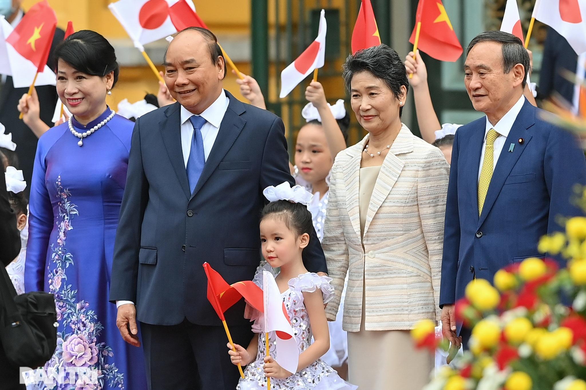 Lễ đón chính thức Thủ tướng Nhật Bản Suga Yoshihide và phu nhân tại Hà Nội - 4