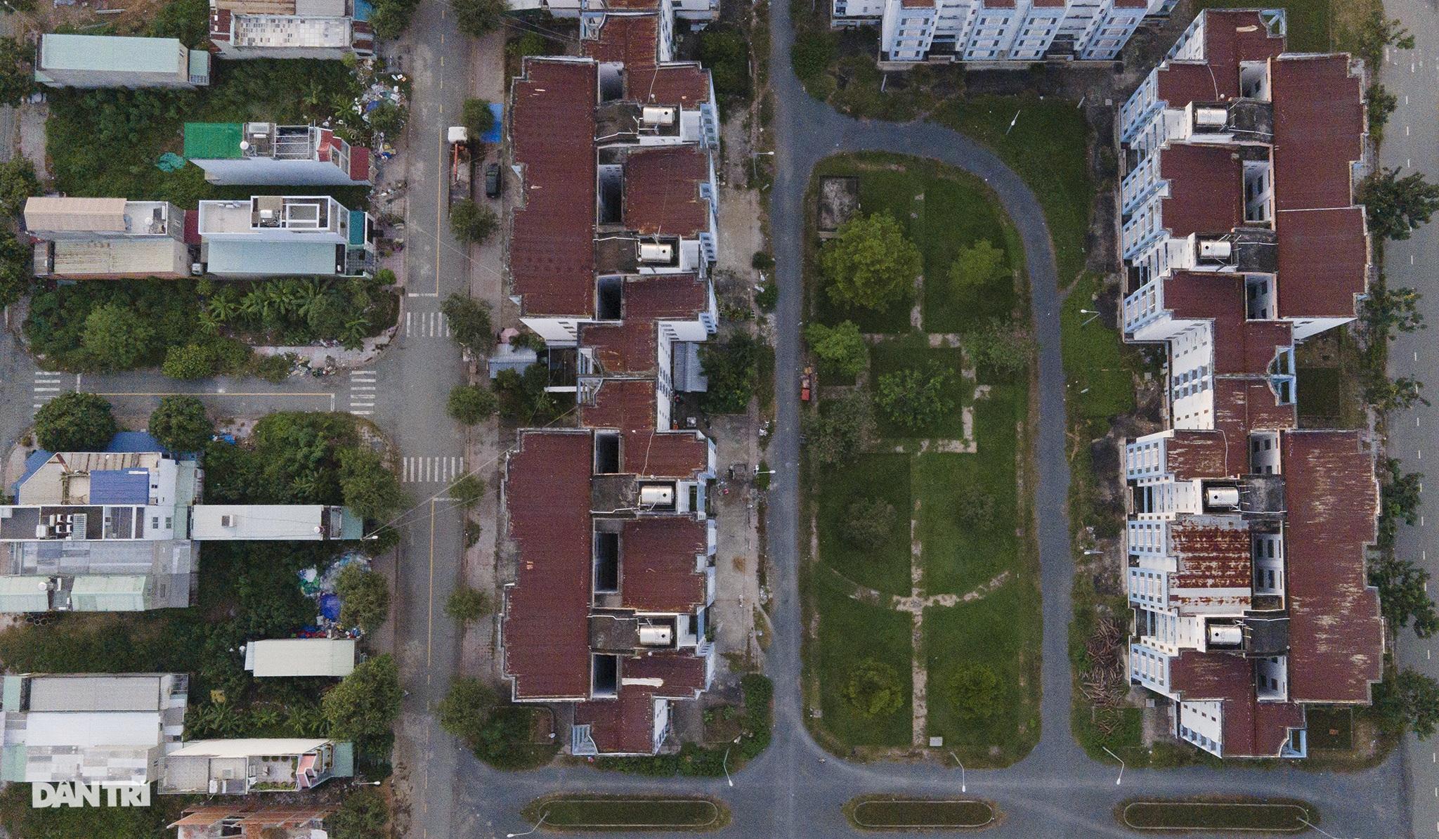 TP.HCM: Mịt mờ lối thoát cho các khu tái định cư - 11