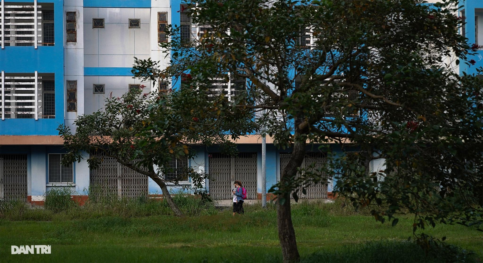 TP.HCM: Mịt mờ lối thoát cho các khu tái định cư - 15