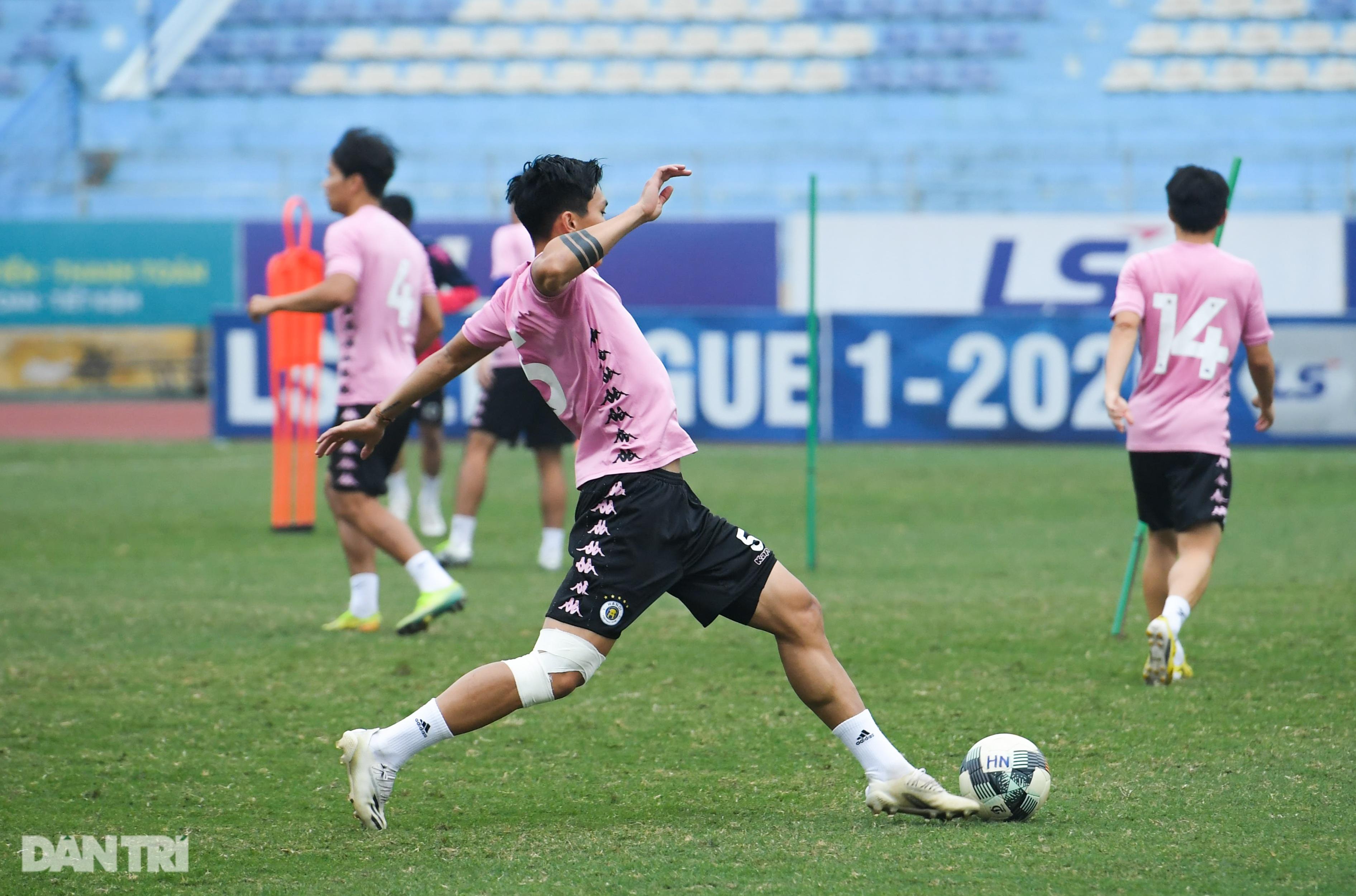 Văn Hậu tích cực tập luyện, có thể ra sân trước CLB Viettel - 6