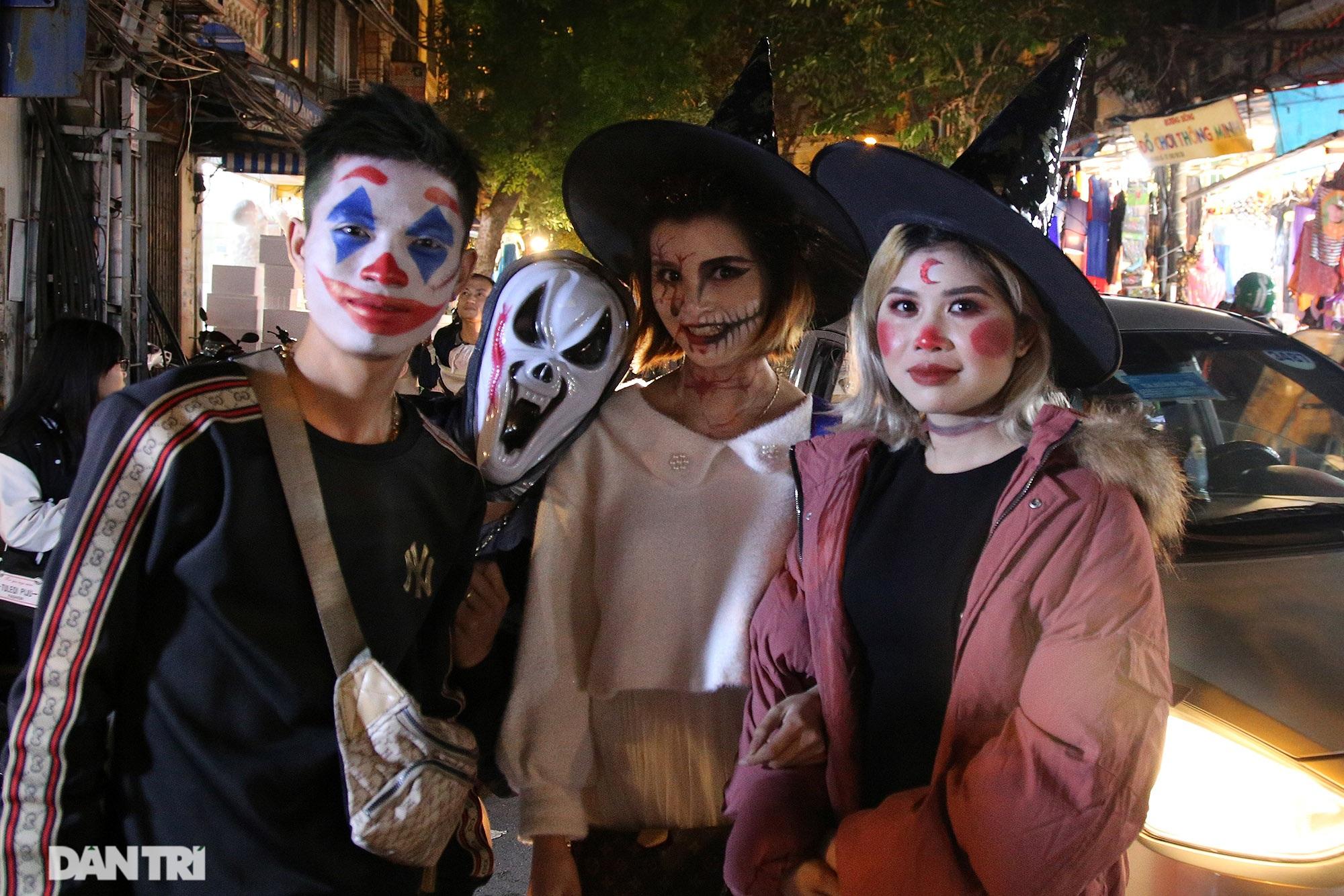 Đêm Halloween tại Hà Nội - 11