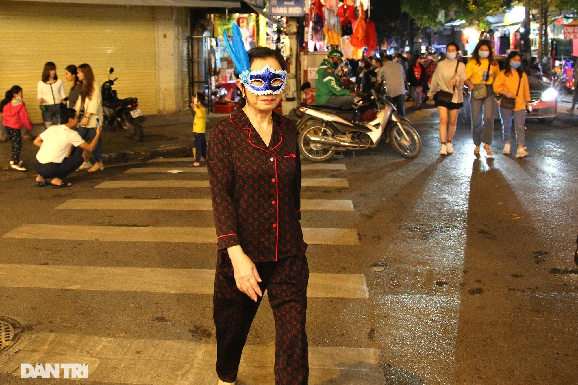 Đêm Halloween tại Hà Nội - 6