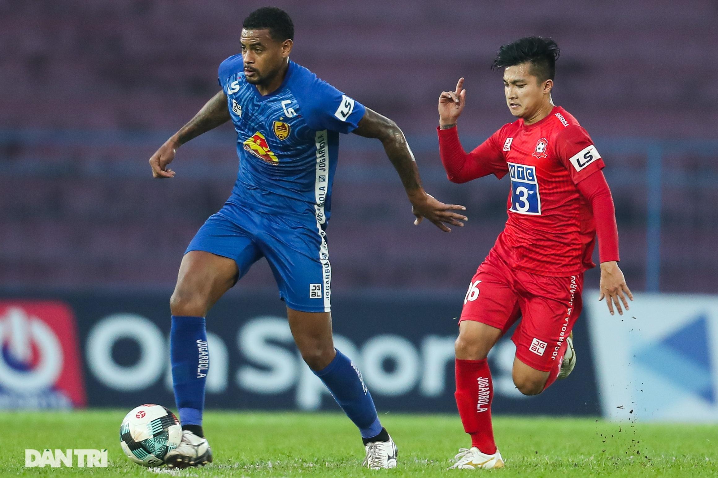 Thắng áp đảo nhưng CLB Quảng Nam vẫn phải xuống hạng, các cầu thủ bật khóc - 3