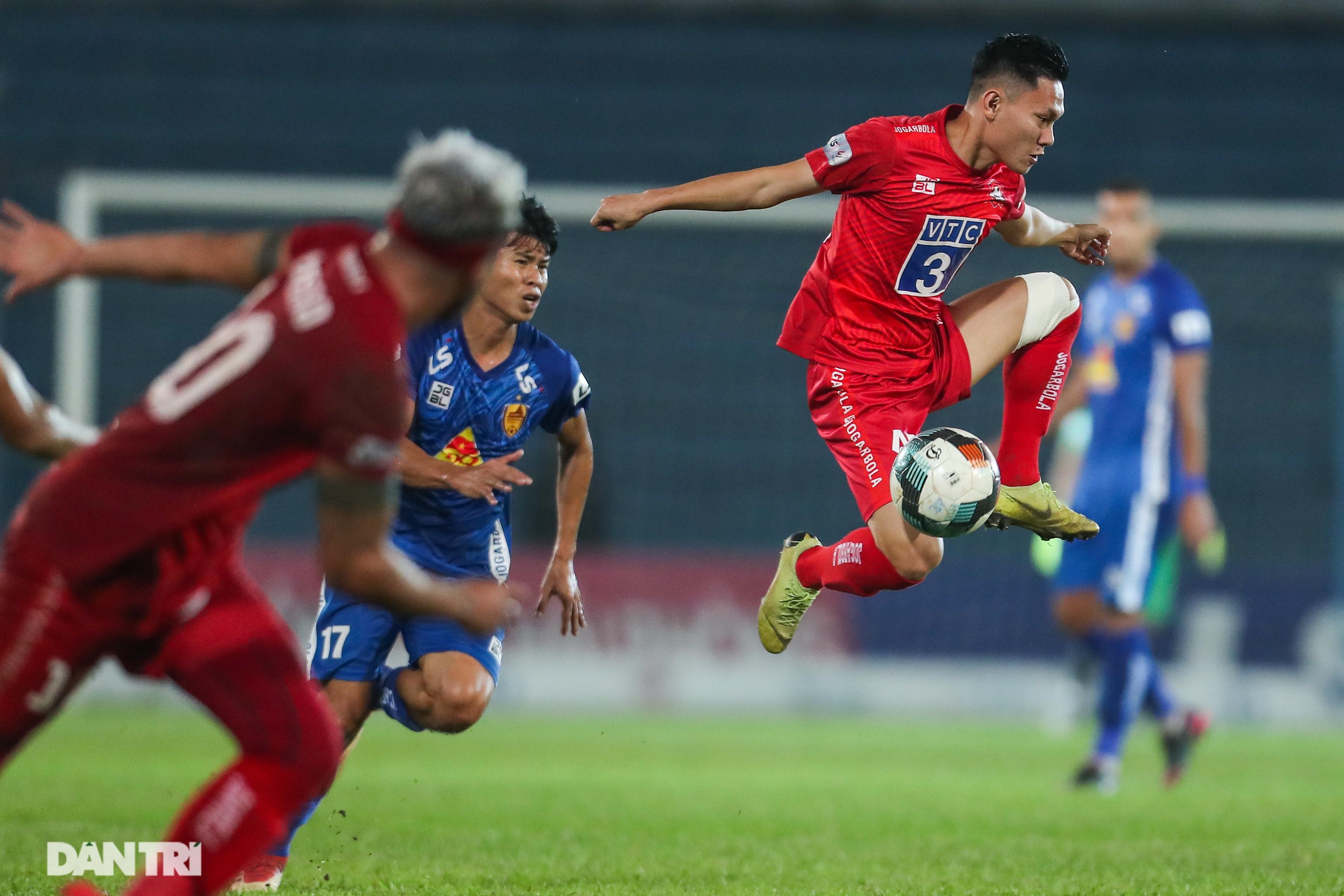 Thắng áp đảo nhưng CLB Quảng Nam vẫn phải xuống hạng, các cầu thủ bật khóc - 9