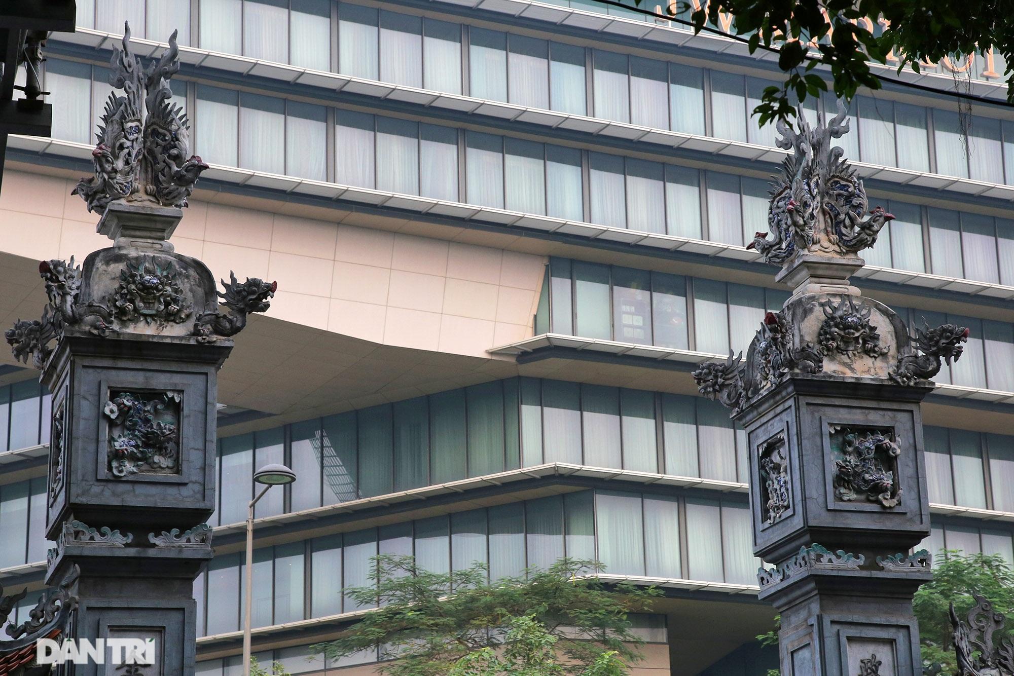 Nét hiện đại và xưa cũ trong không gian kiến trúc Hà Nội - 2