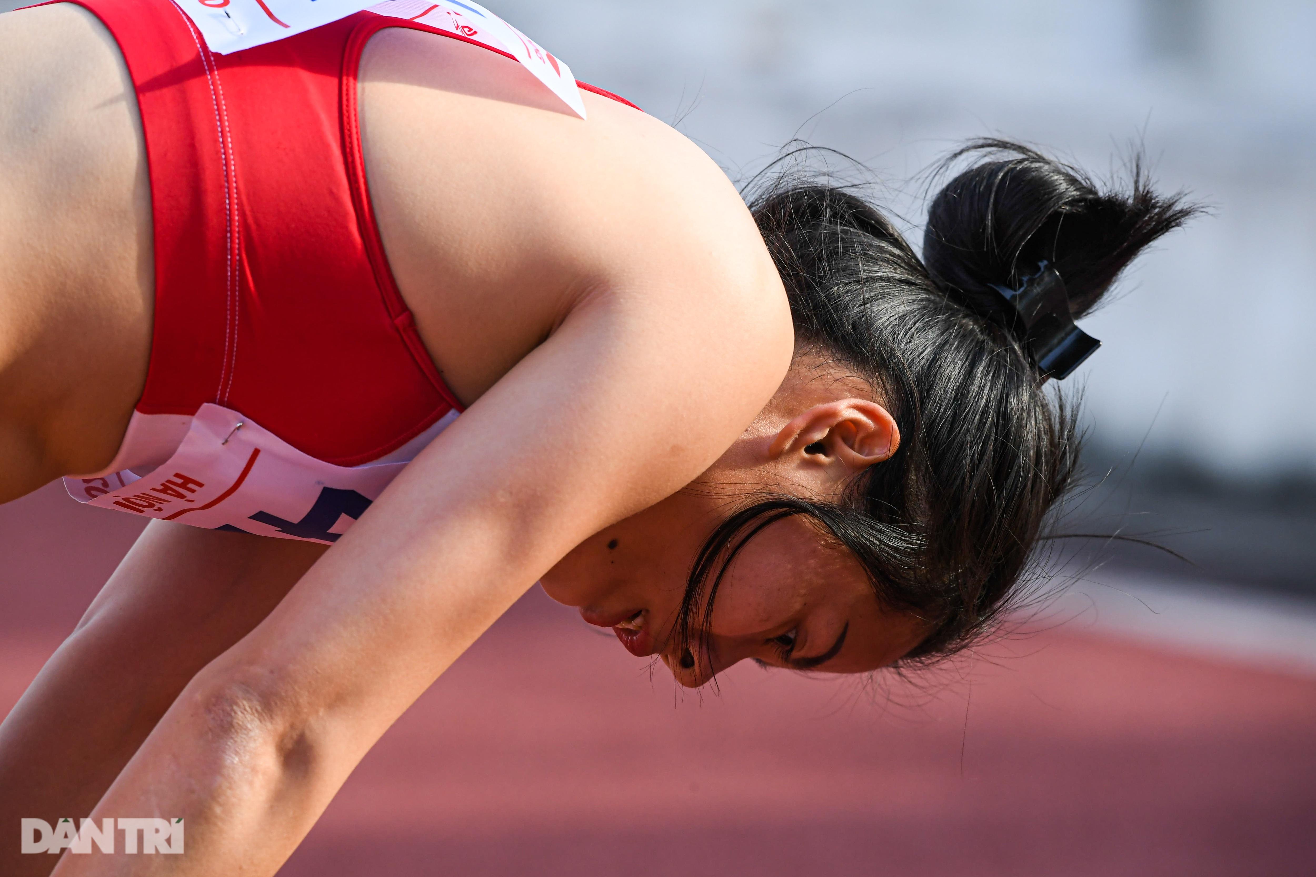"""""""Nữ hoàng điền kinh"""" Nguyễn Thị Huyền bất ngờ về nhì ở giải quốc nội - 15"""