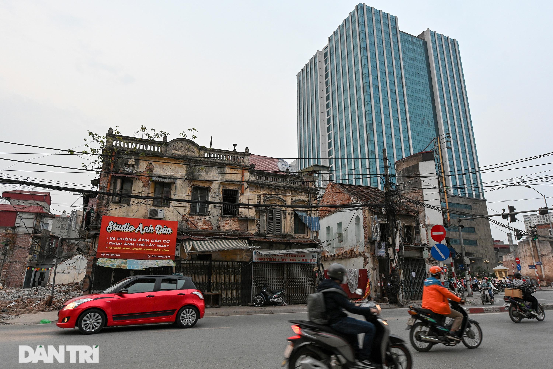 Nét hiện đại và xưa cũ trong không gian kiến trúc Hà Nội - 21