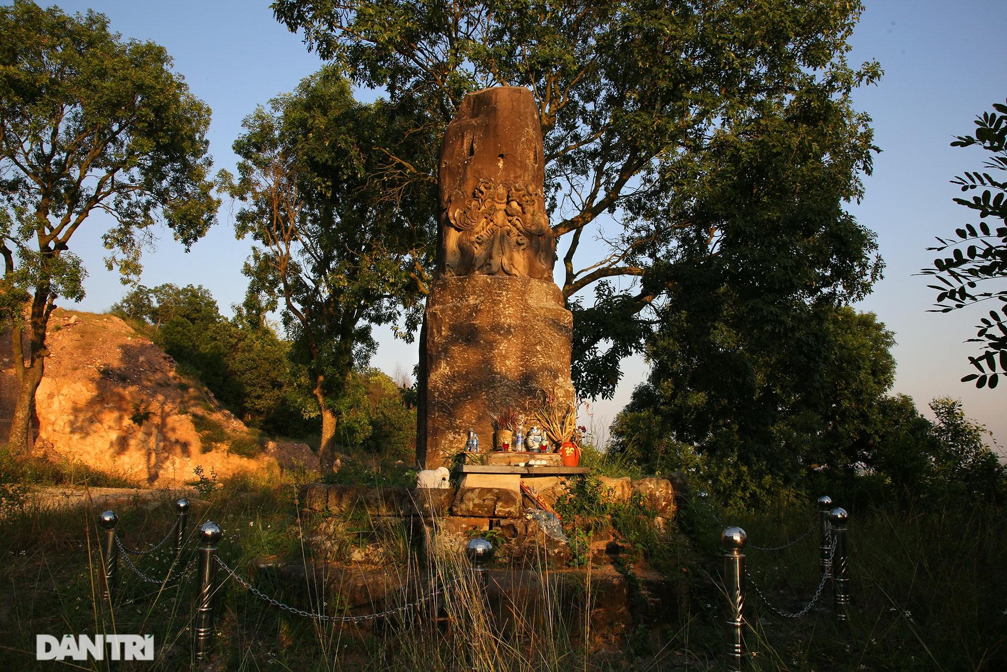 Bí ẩn cột đá nghìn năm tuổi bên sườn núi Đại Lãm, Bắc Ninh - 2