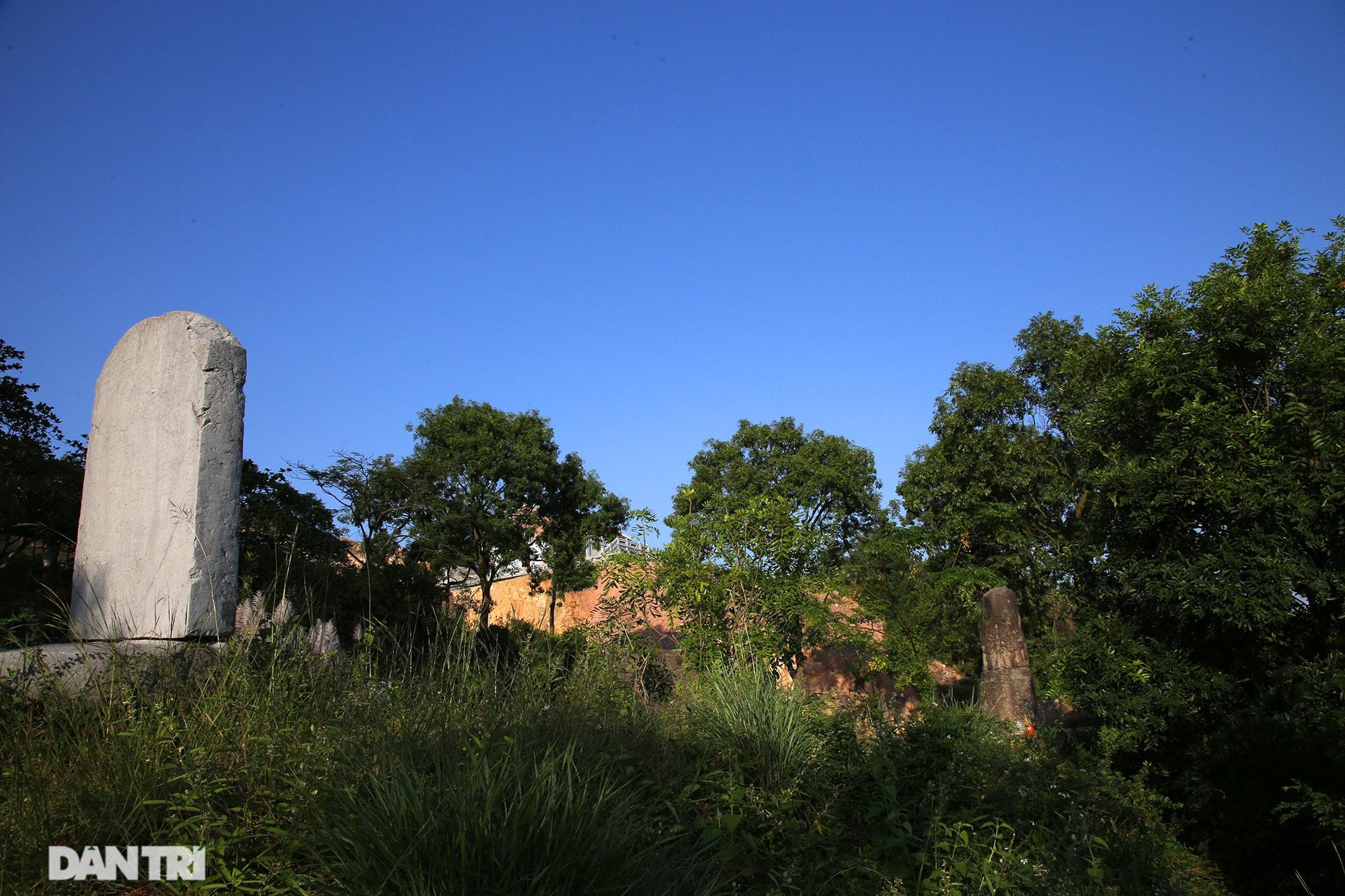 Bí ẩn cột đá nghìn năm tuổi bên sườn núi Đại Lãm, Bắc Ninh - 13