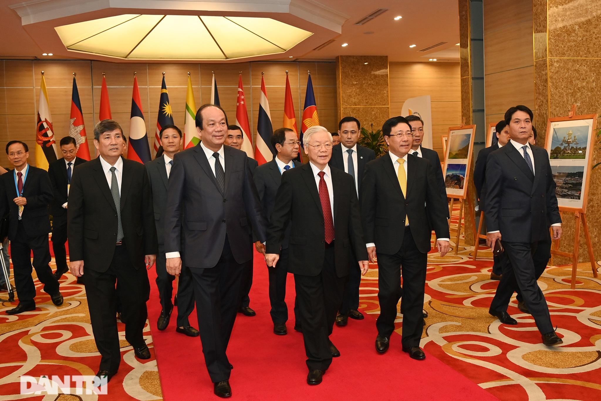 Lãnh đạo Đảng, Nhà nước dự khai mạc Hội nghị cấp cao ASEAN - 1