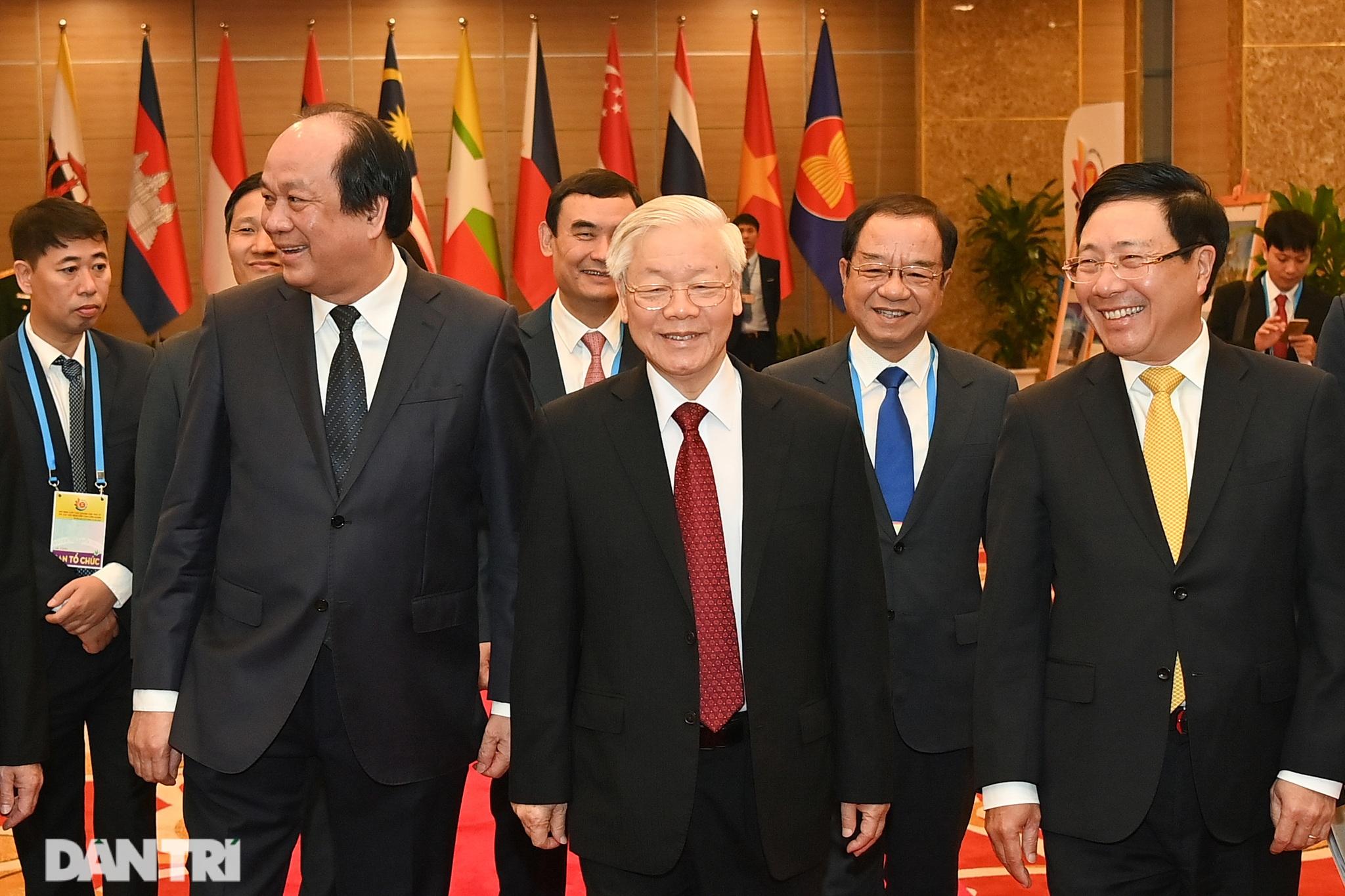Lãnh đạo Đảng, Nhà nước dự khai mạc Hội nghị cấp cao ASEAN - 2