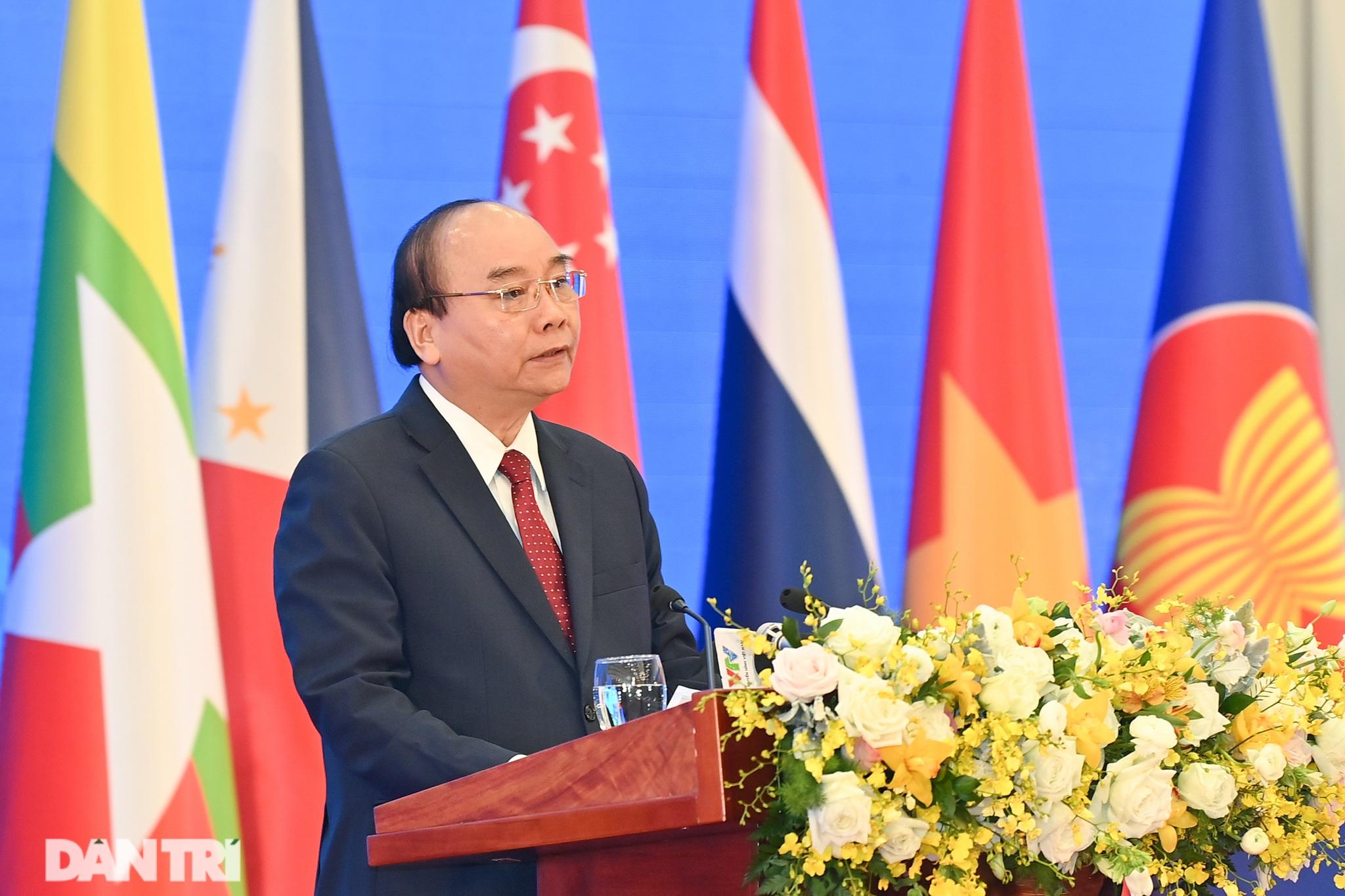 Lãnh đạo Đảng, Nhà nước dự khai mạc Hội nghị cấp cao ASEAN - 12