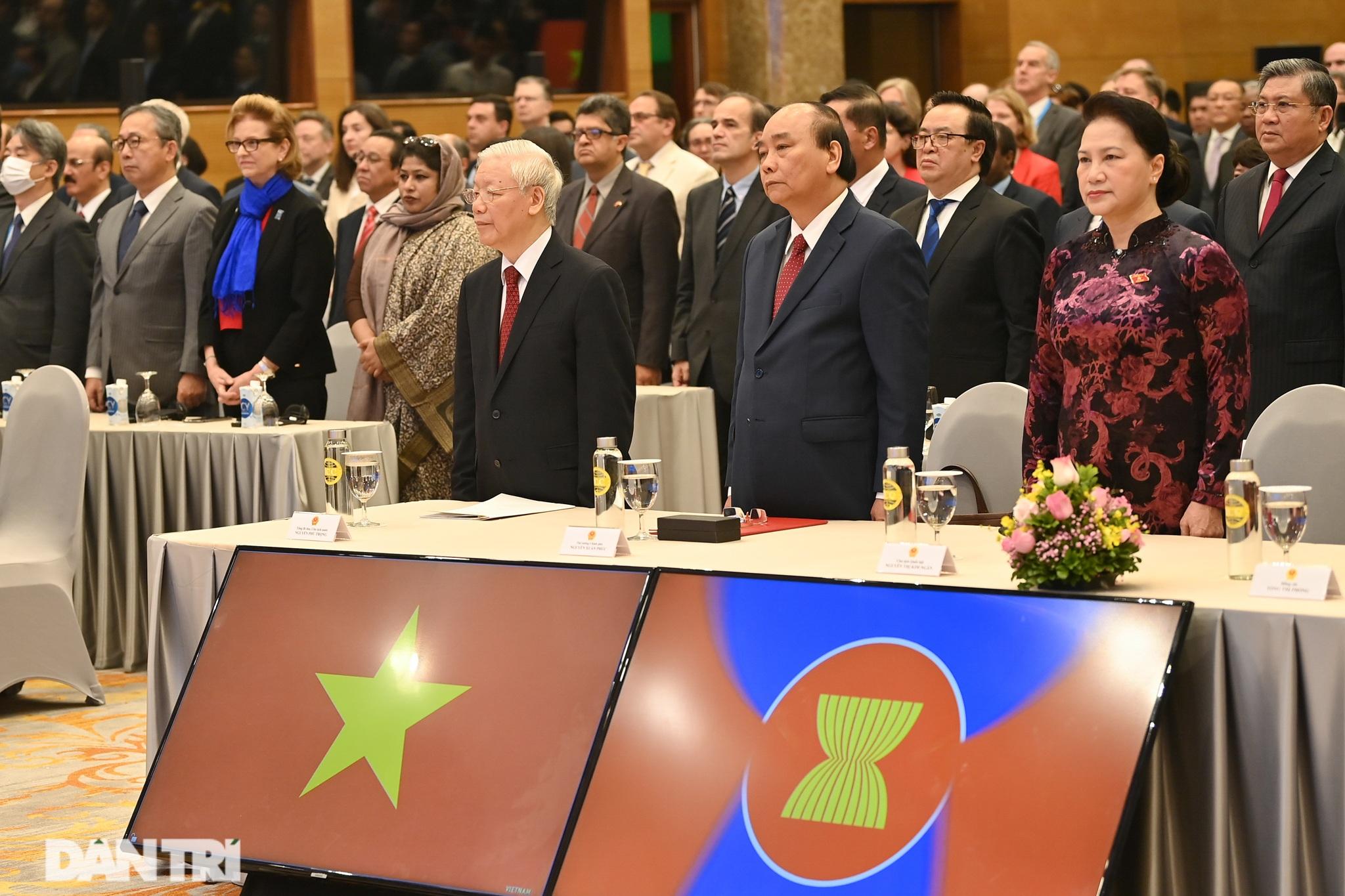 Lãnh đạo Đảng, Nhà nước dự khai mạc Hội nghị cấp cao ASEAN - 8