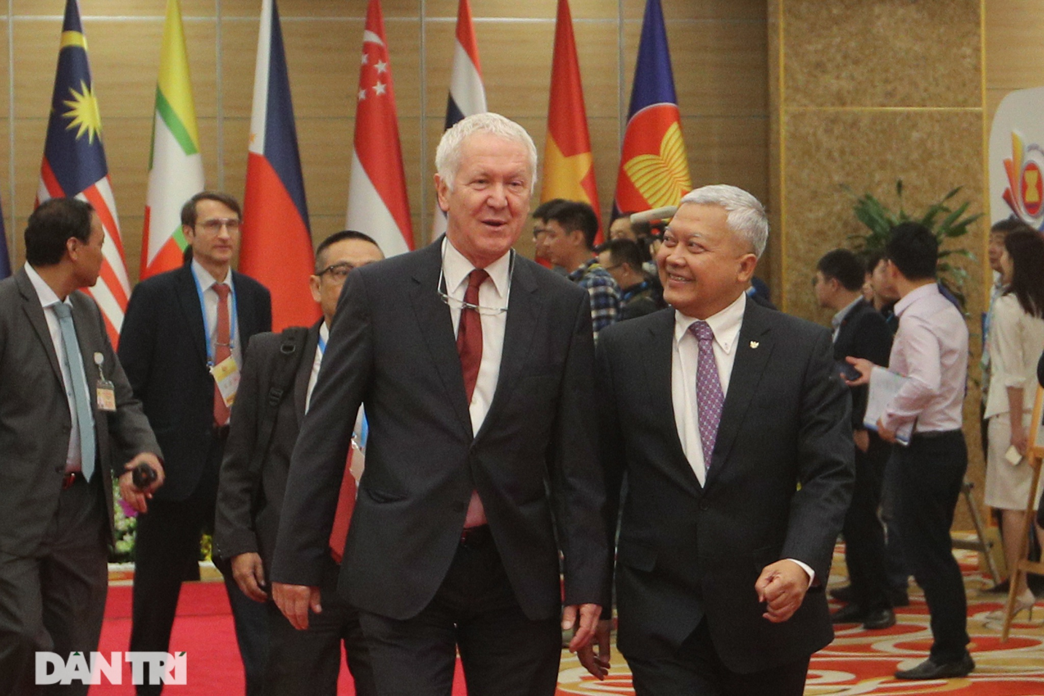Lãnh đạo Đảng, Nhà nước dự khai mạc Hội nghị cấp cao ASEAN - 7