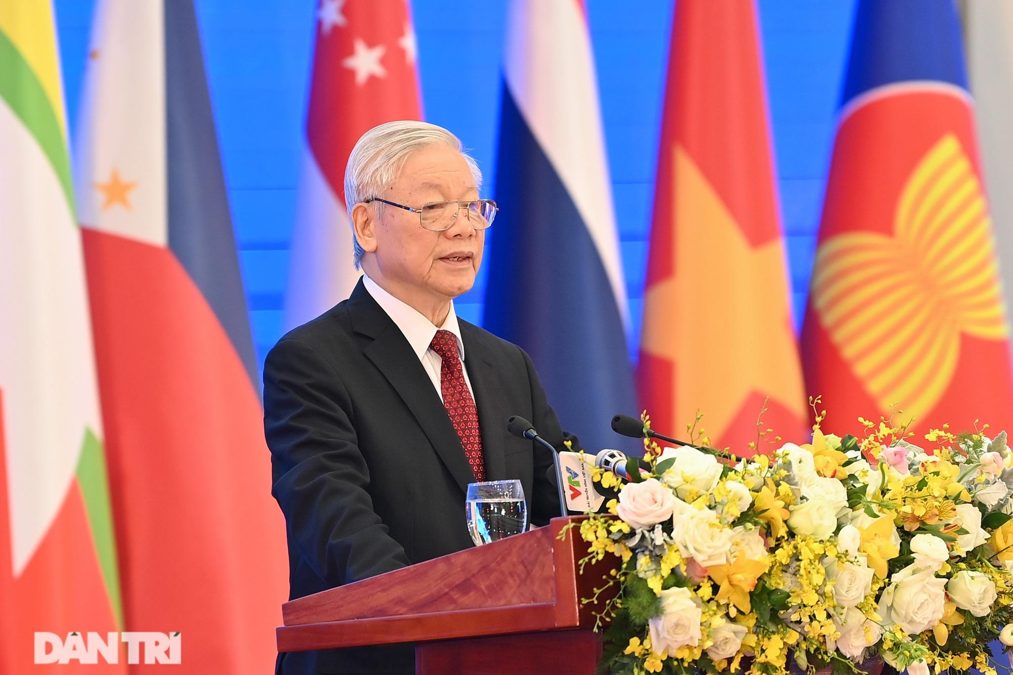 Lãnh đạo Đảng, Nhà nước dự khai mạc Hội nghị cấp cao ASEAN - 11