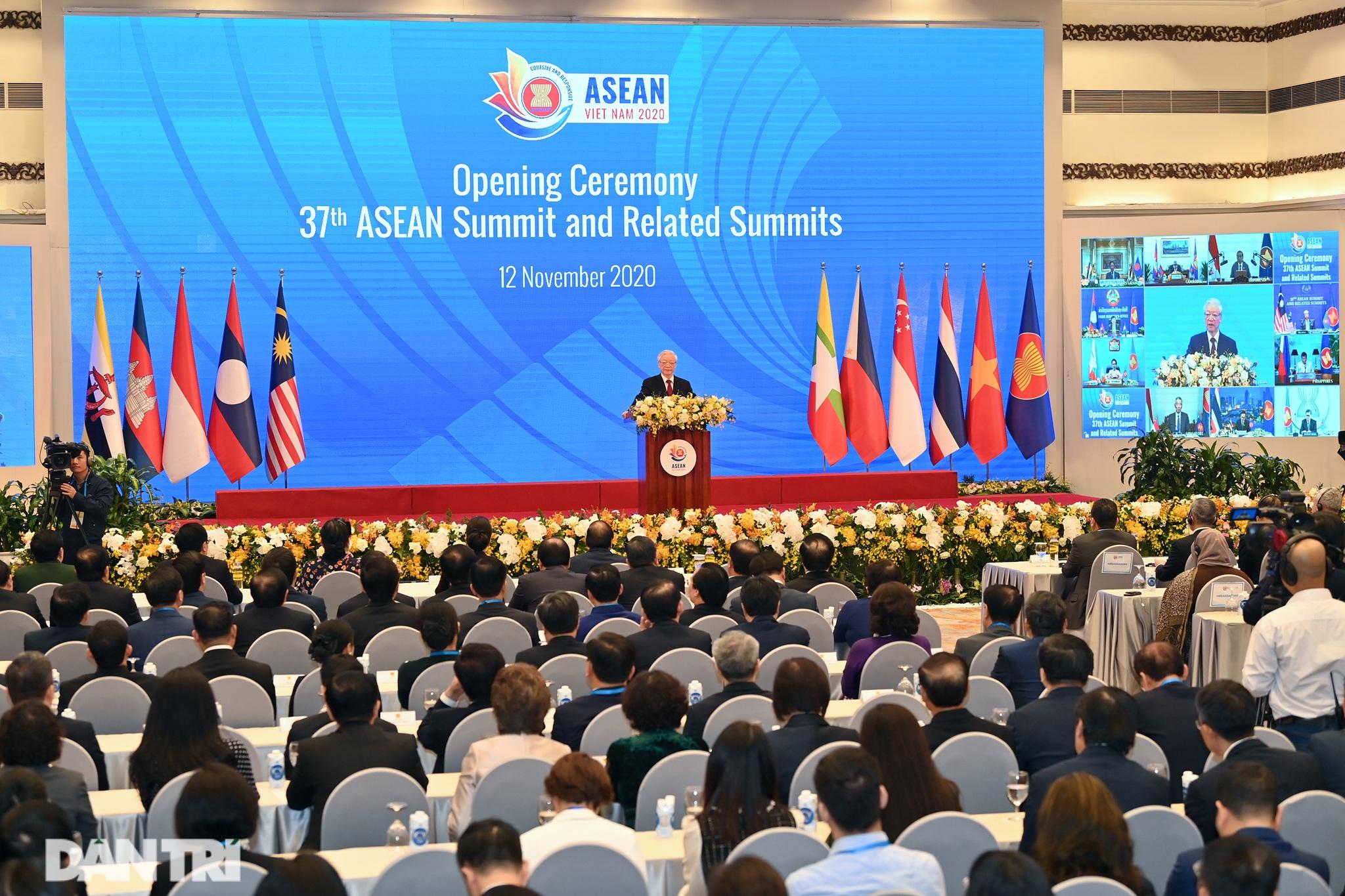 Lãnh đạo Đảng, Nhà nước dự khai mạc Hội nghị cấp cao ASEAN - 10