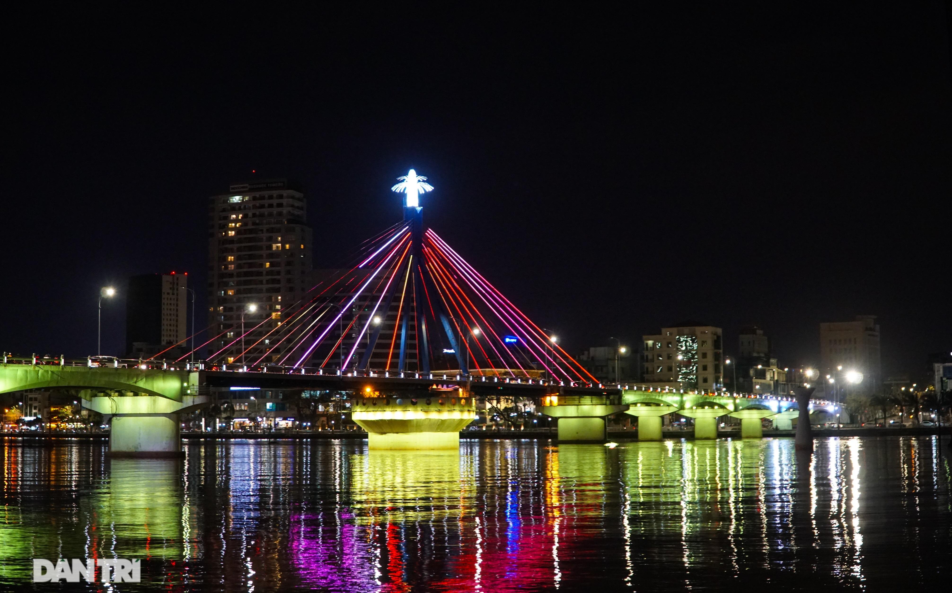 Chiêm ngưỡng 4 cây cầu ấn tượng nối đôi bờ sông Hàn ở Đà Nẵng - 11