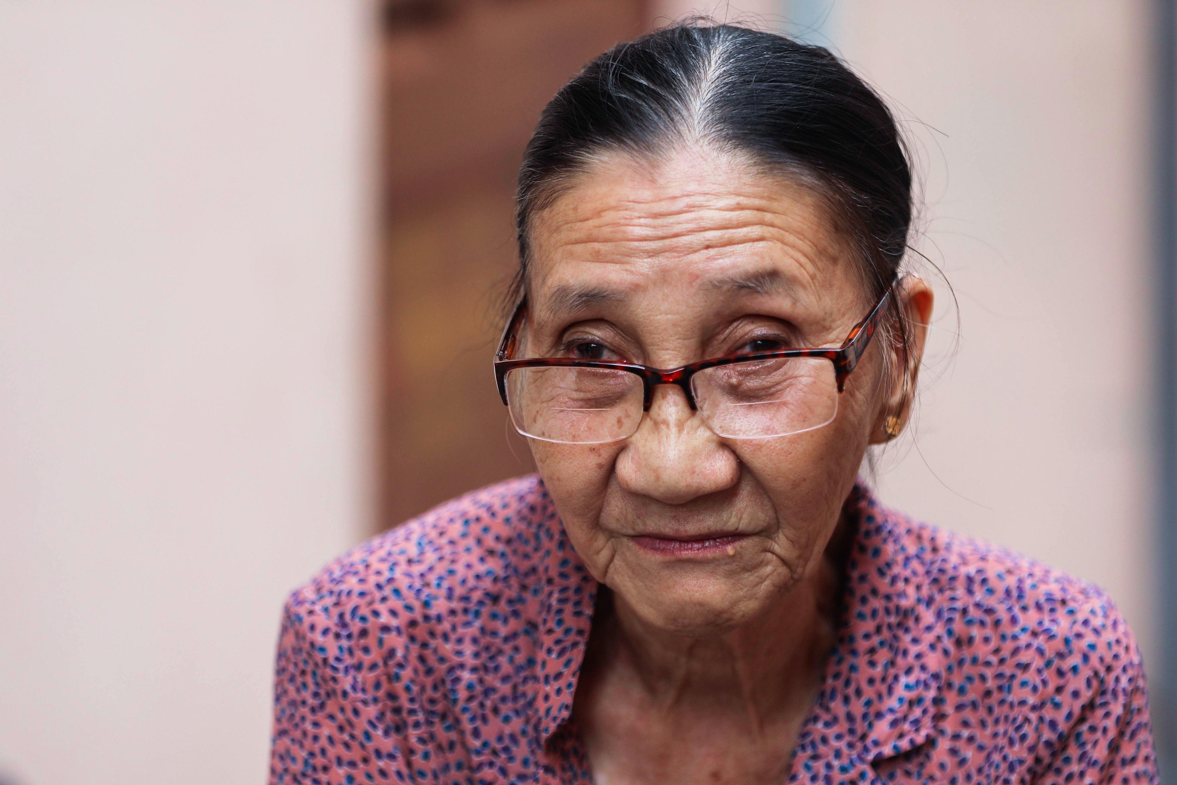 """Bà giáo U80 ngày bán vé số, tối đứng lớp """"gieo chữ"""" cho học sinh nghèo - 20"""