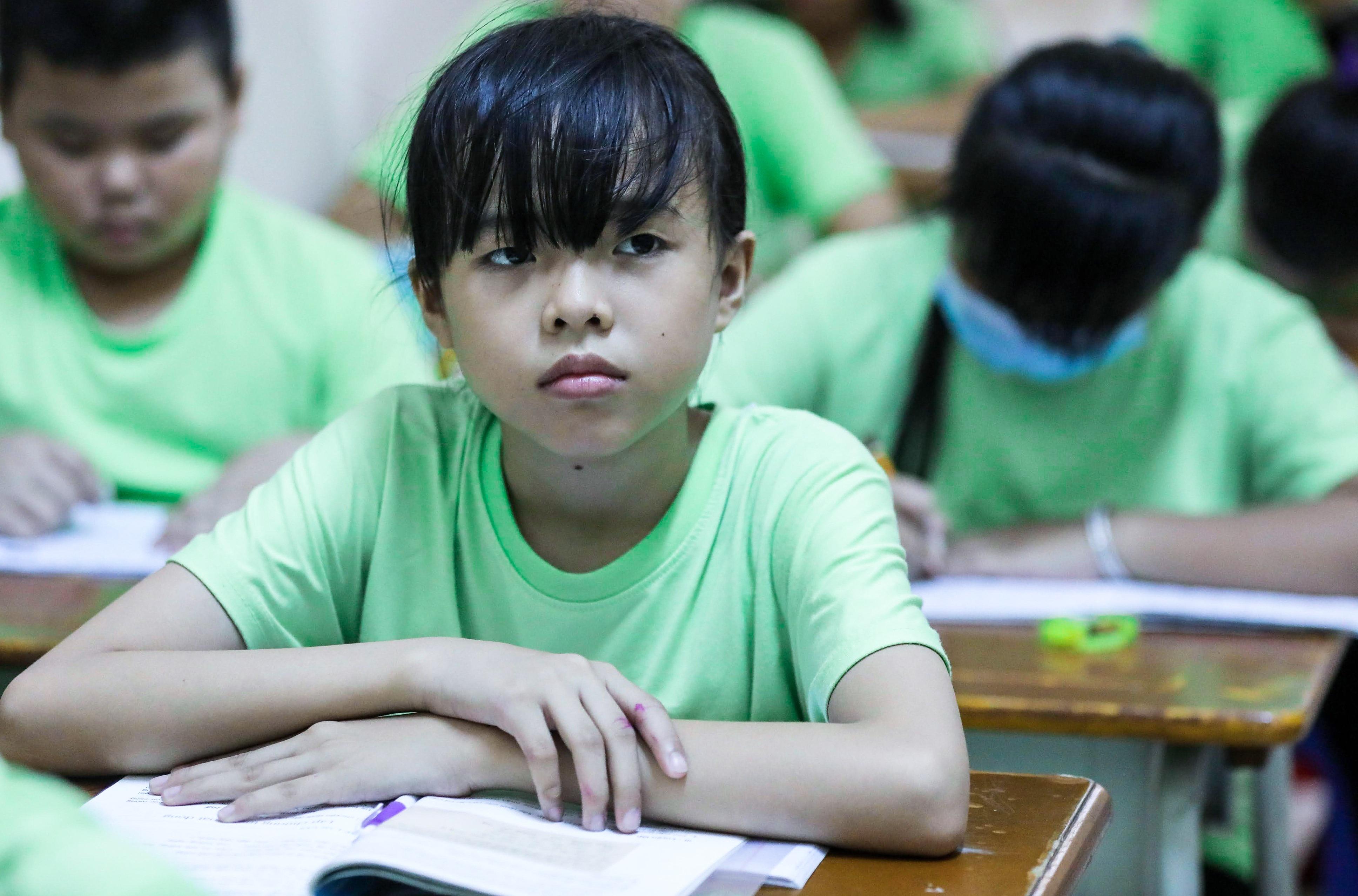 """Bà giáo U80 ngày bán vé số, tối đứng lớp """"gieo chữ"""" cho học sinh nghèo - 11"""