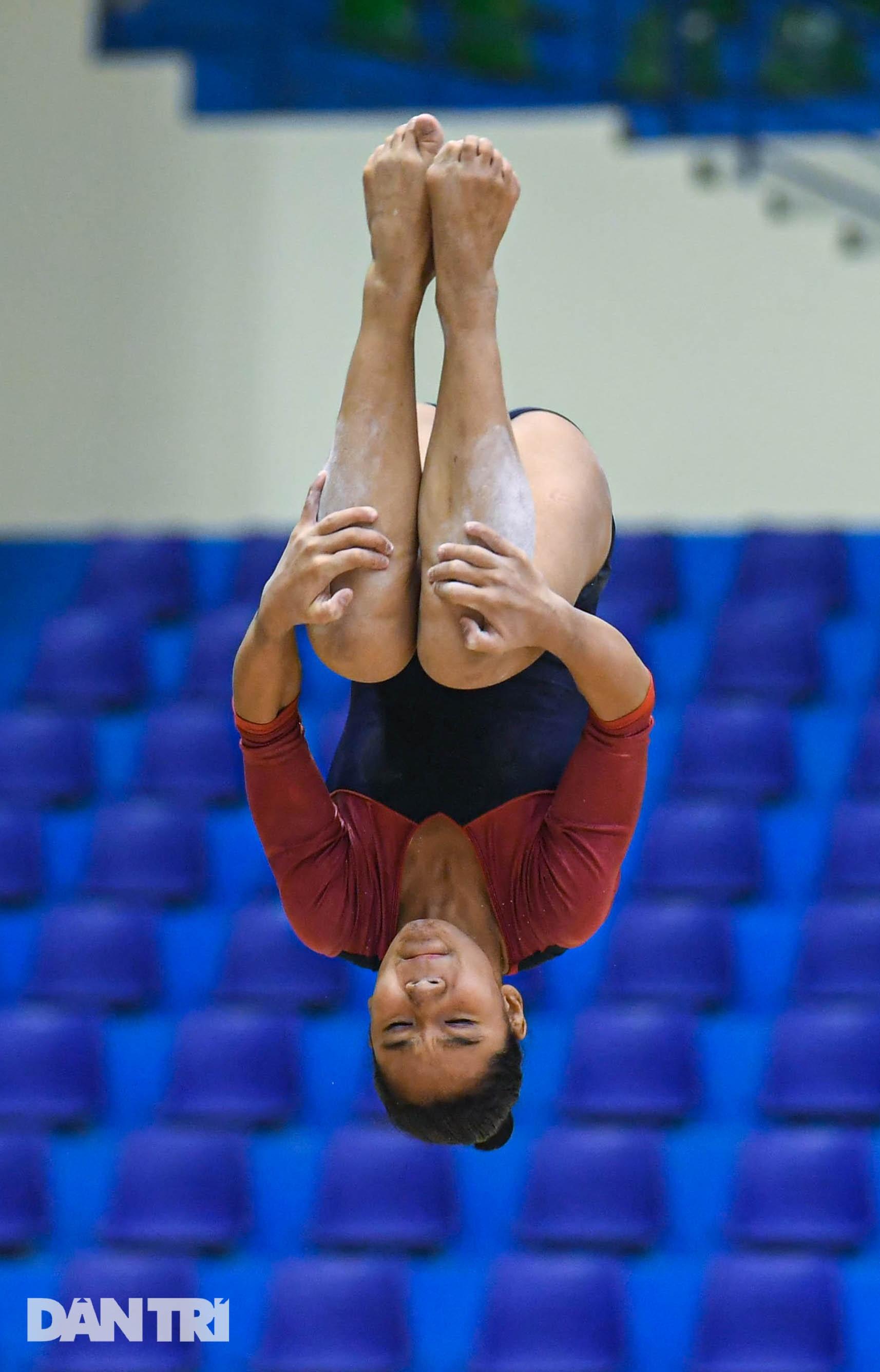 Mãn nhãn với những màn biểu diễn thể dục dụng cụ tại giải quốc gia - 24