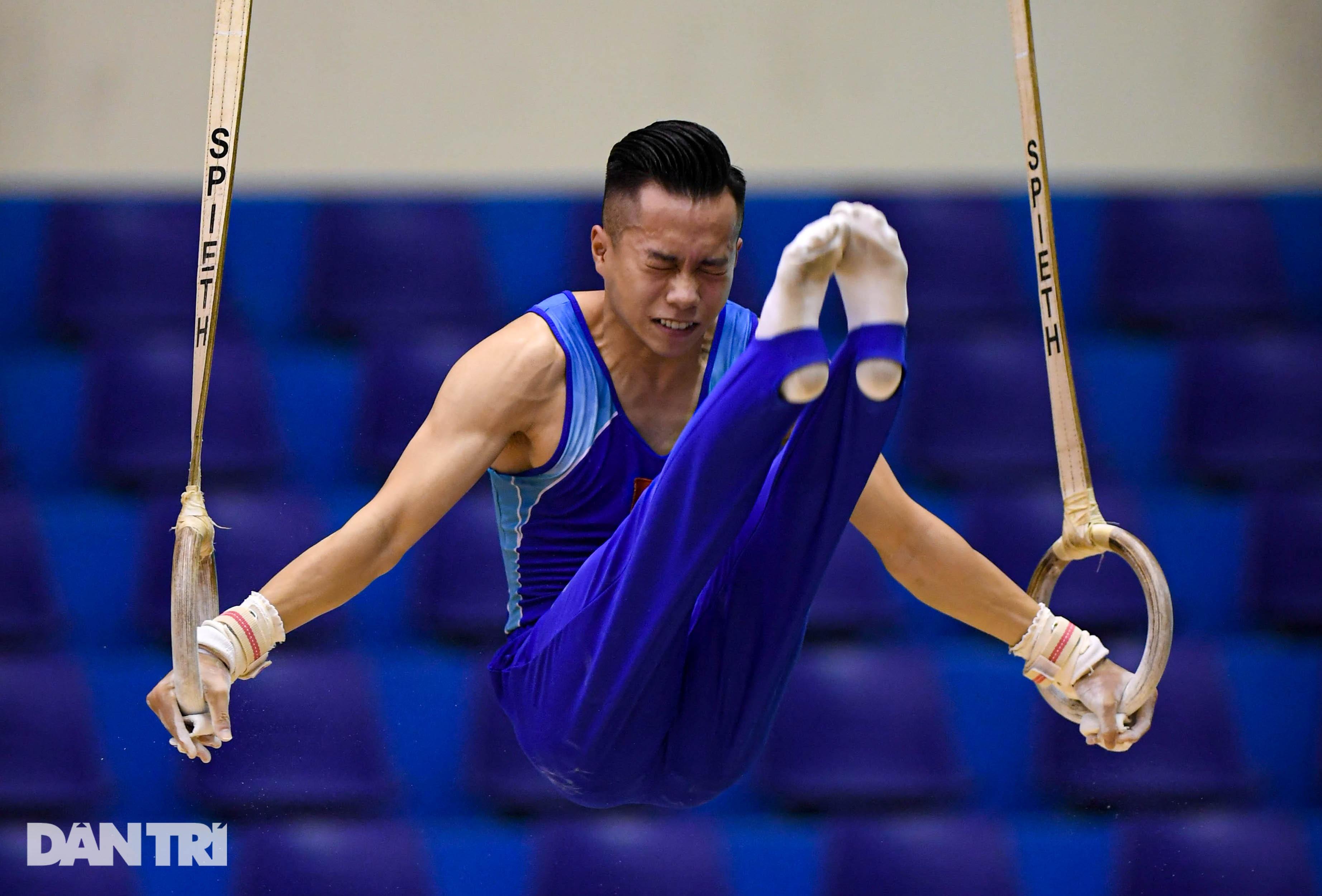Mãn nhãn với những màn biểu diễn thể dục dụng cụ tại giải quốc gia - 11