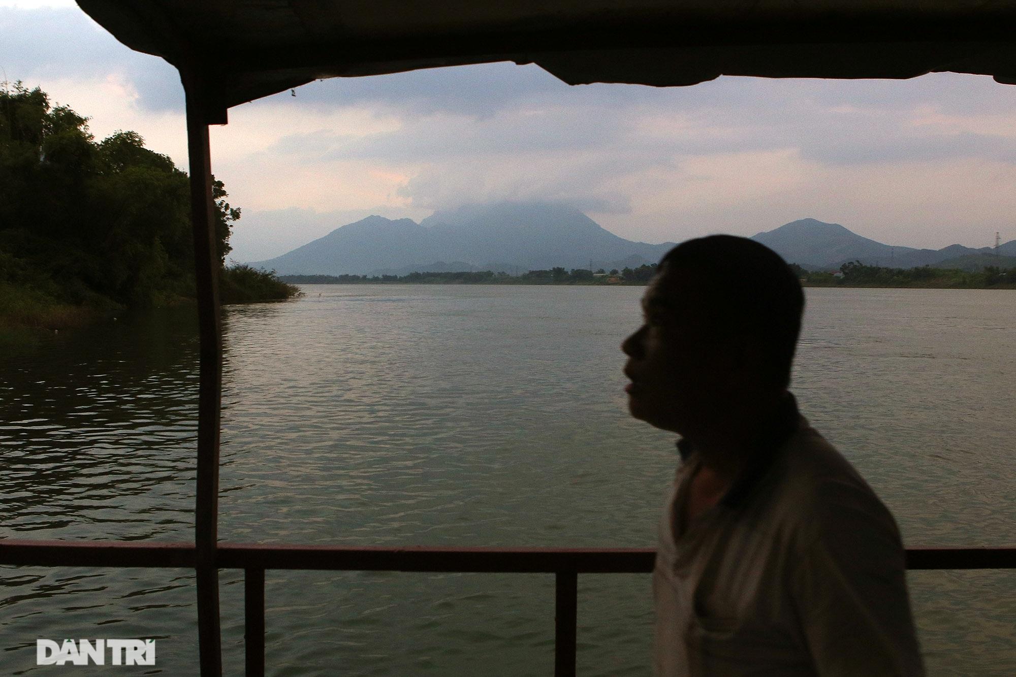 Núi thiêng gần Hà Nội đẹp mê mải nhìn từ muôn phương tám hướng - 12