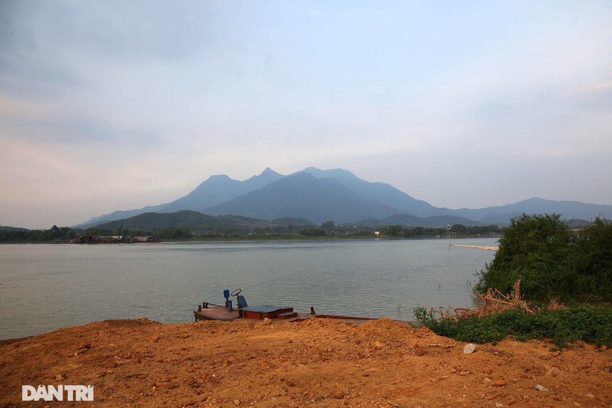 Núi thiêng gần Hà Nội đẹp mê mải nhìn từ muôn phương tám hướng - 16