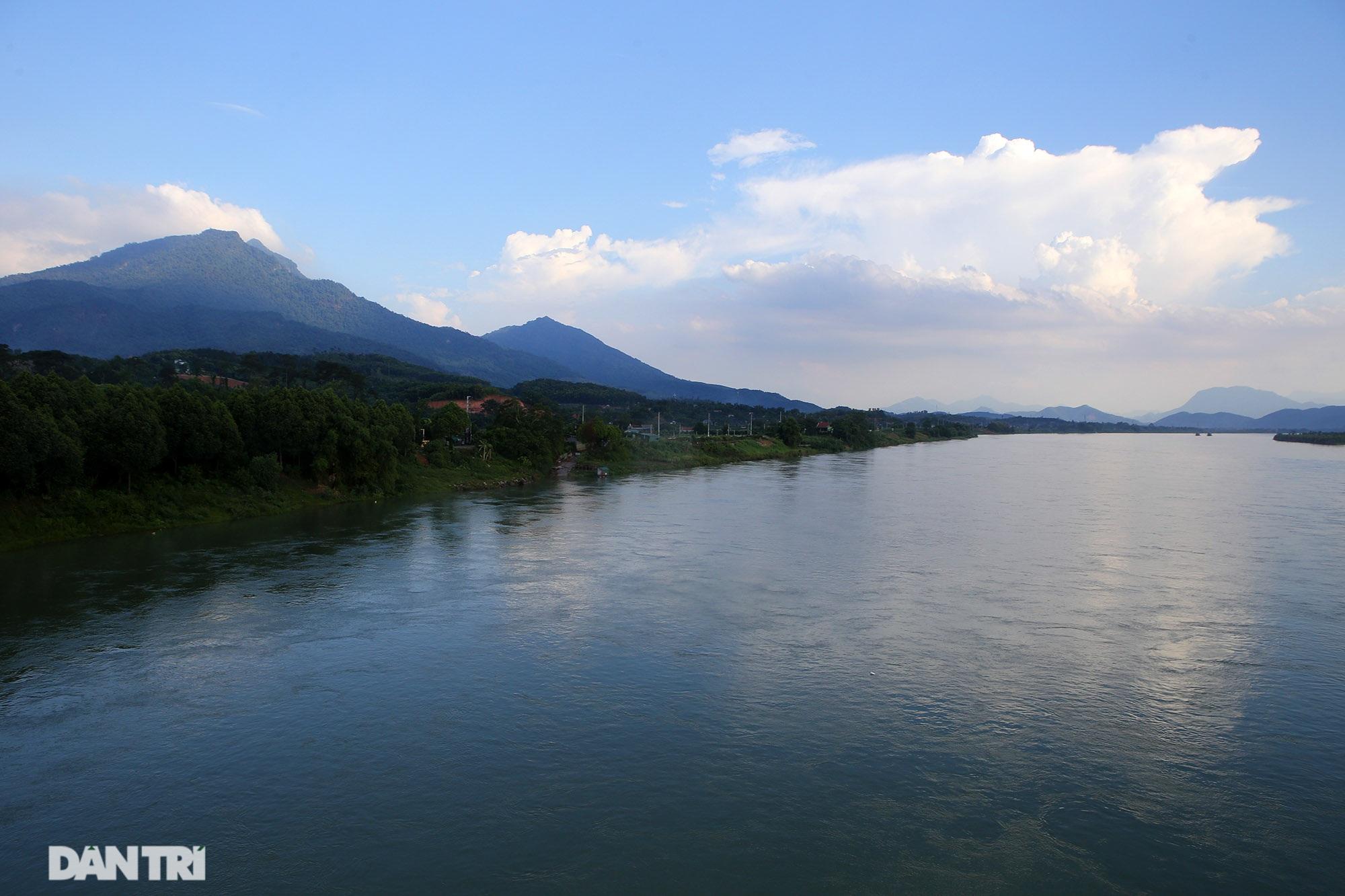 Núi thiêng gần Hà Nội đẹp mê mải nhìn từ muôn phương tám hướng - 9