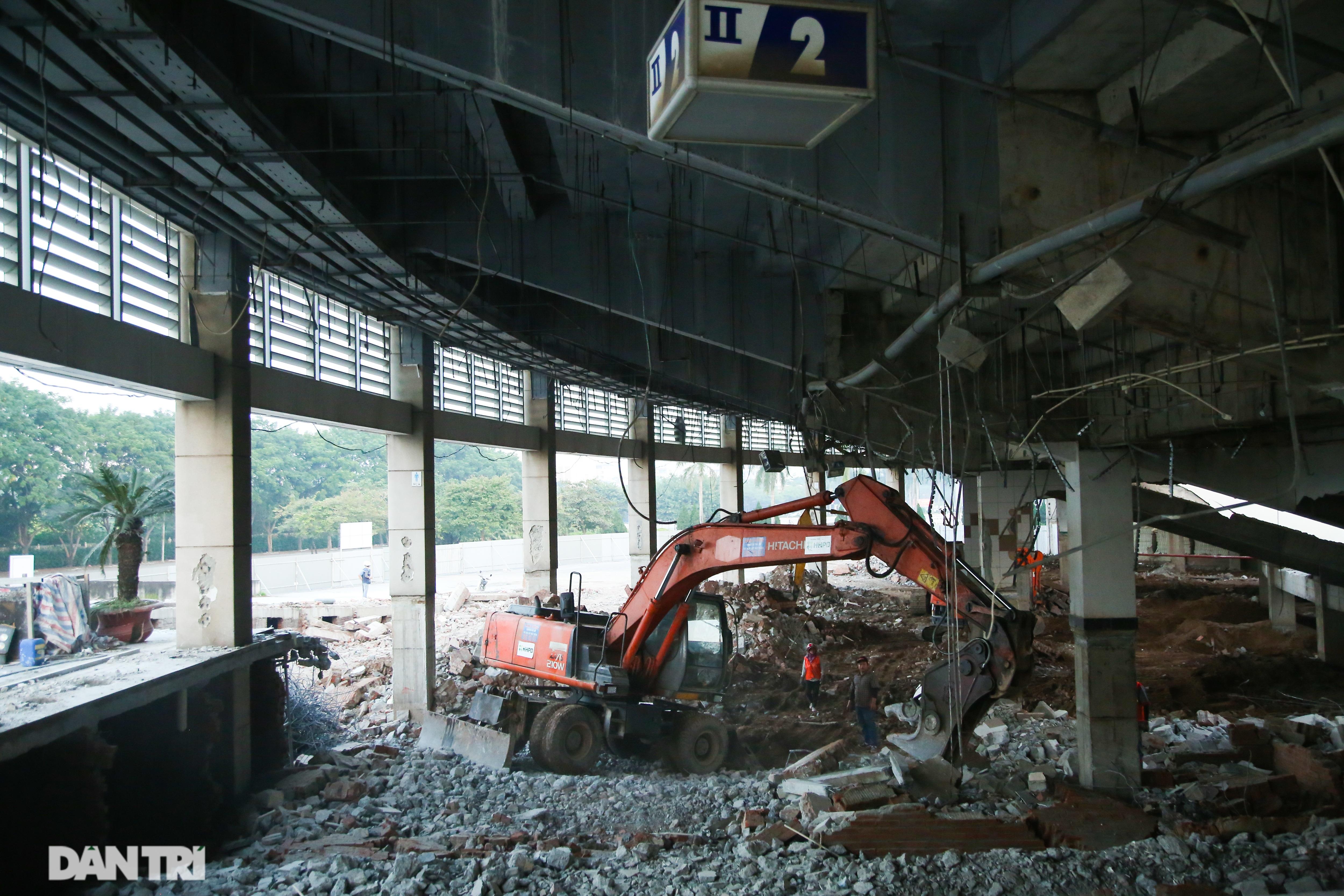 Cận cảnh đại tu Sân vận động Mỹ Đình sau 17 năm hoạt động - 5