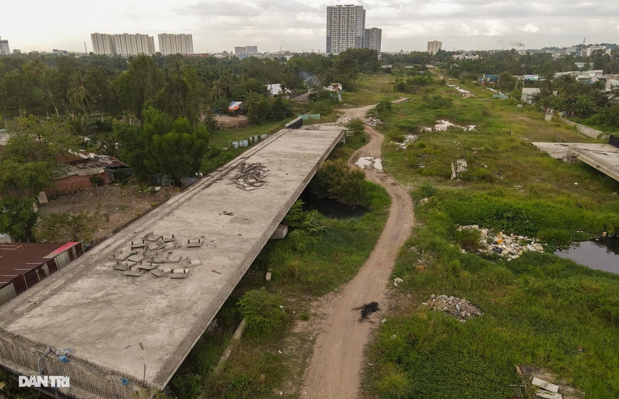 Vành đai 2 TPHCM: Sau 5 năm động thổ không xây xong 3km đường - 15