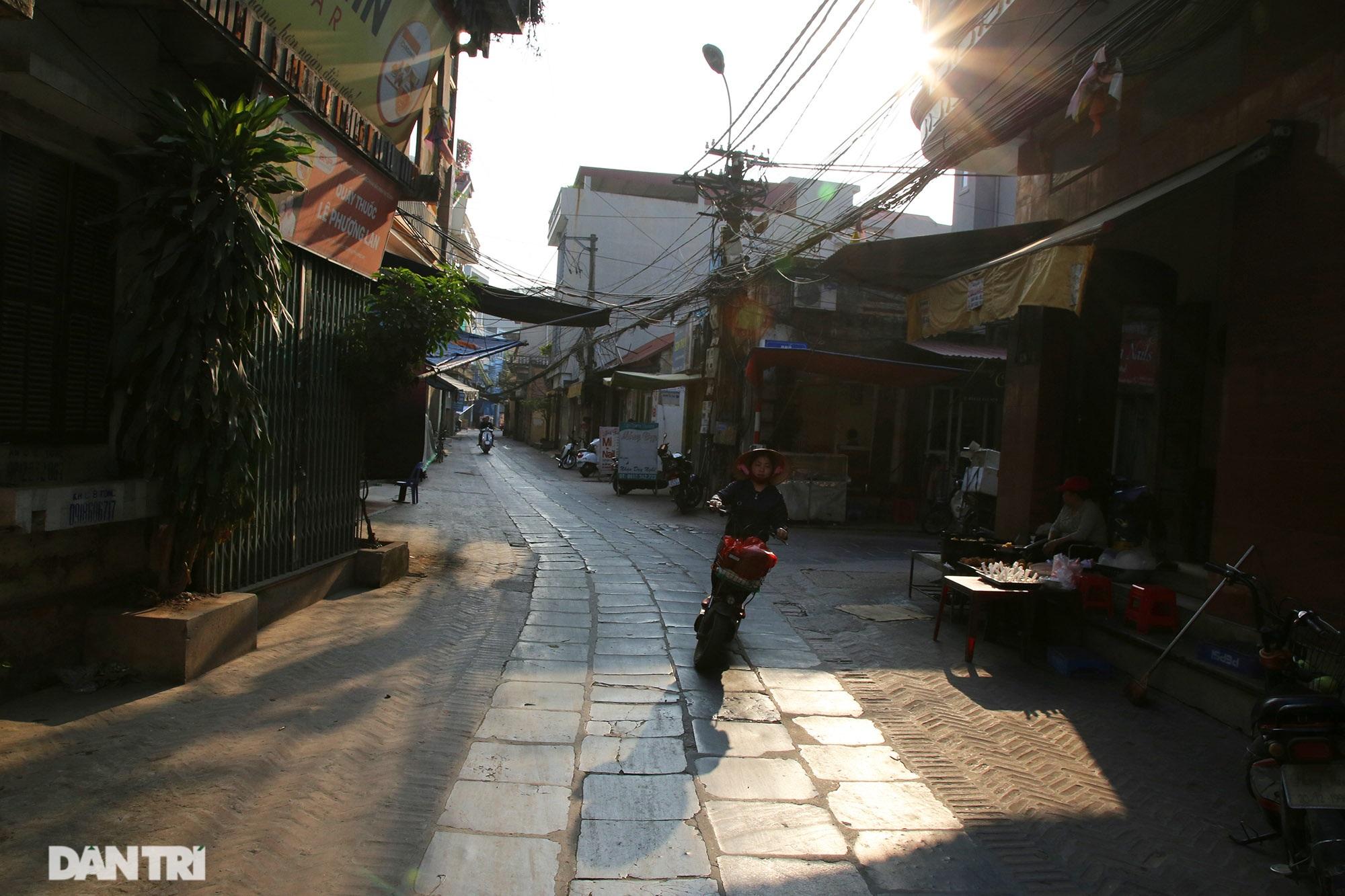 Con đường lát đá xanh vẫn bền đẹp sau gần 100 năm tại Bắc Ninh - 2