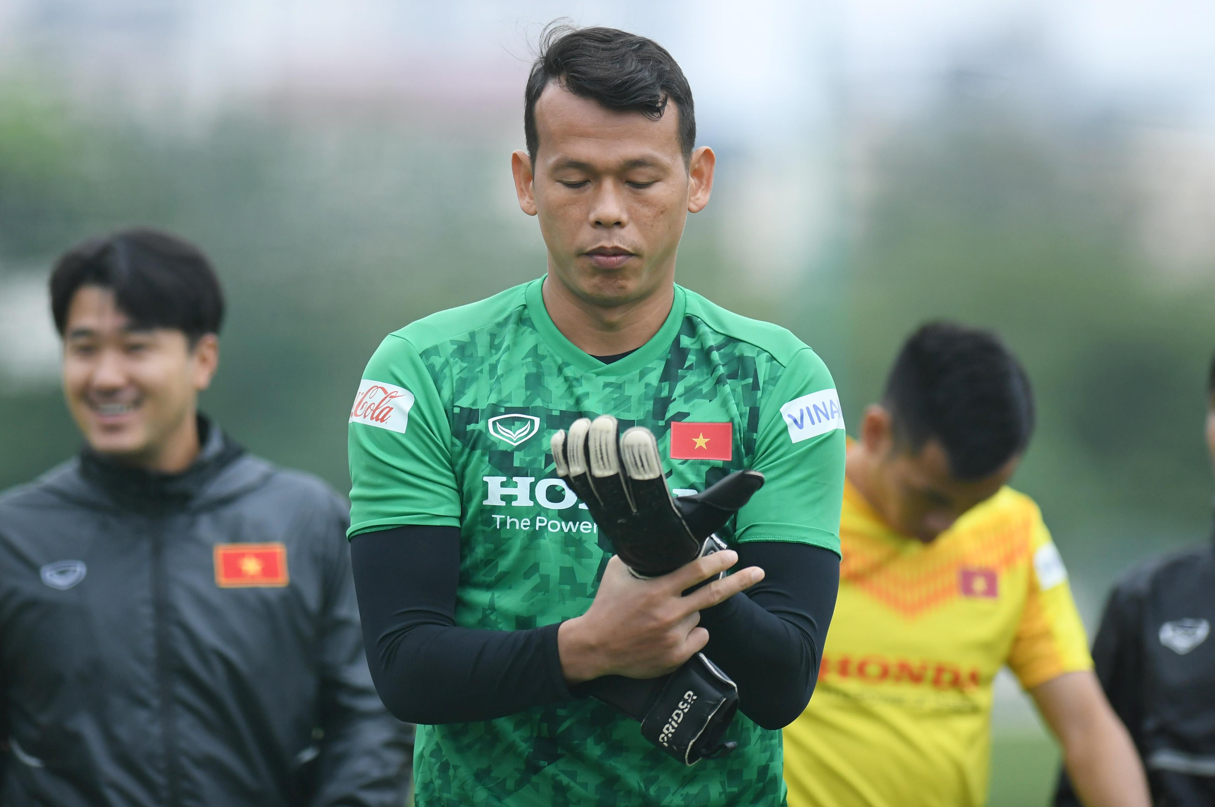 Đội tuyển Việt Nam luyện công trong giá lạnh tại Hà Nội - 3