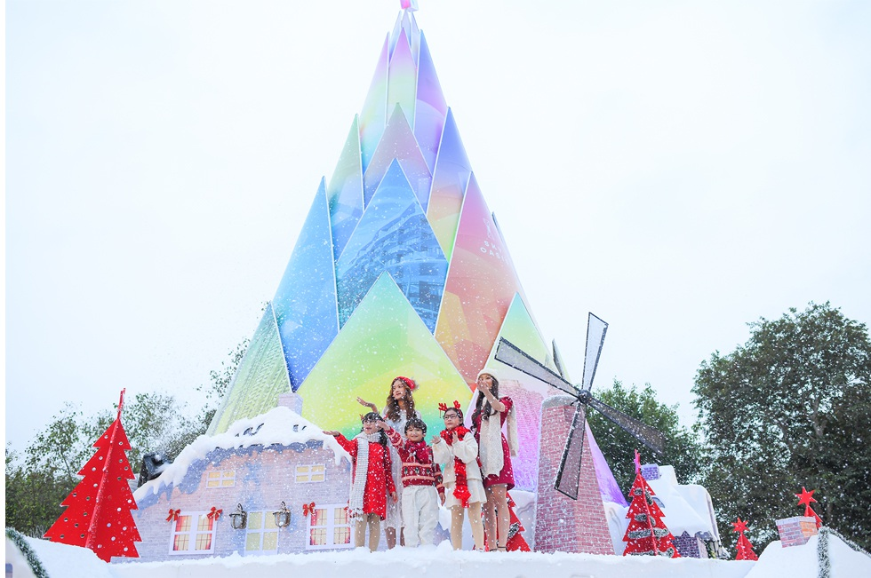 Giáng sinh tuyết trắng cùng búp măng Noel cao nhất Việt Nam tại Ecopark - 3