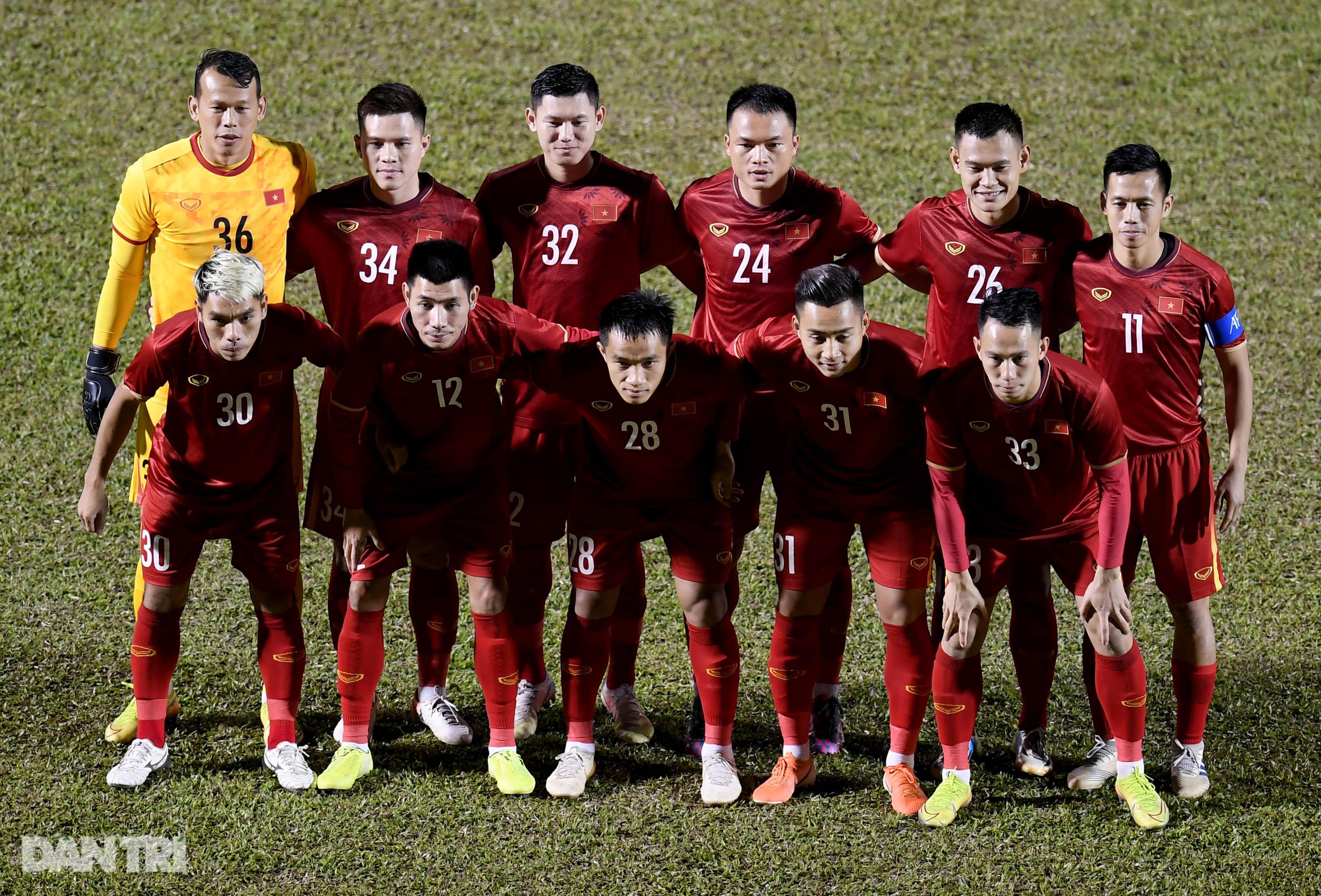 Văn Quyết ghi điểm trong chiến thắng của tuyển Việt Nam trước đàn em U22 - 2
