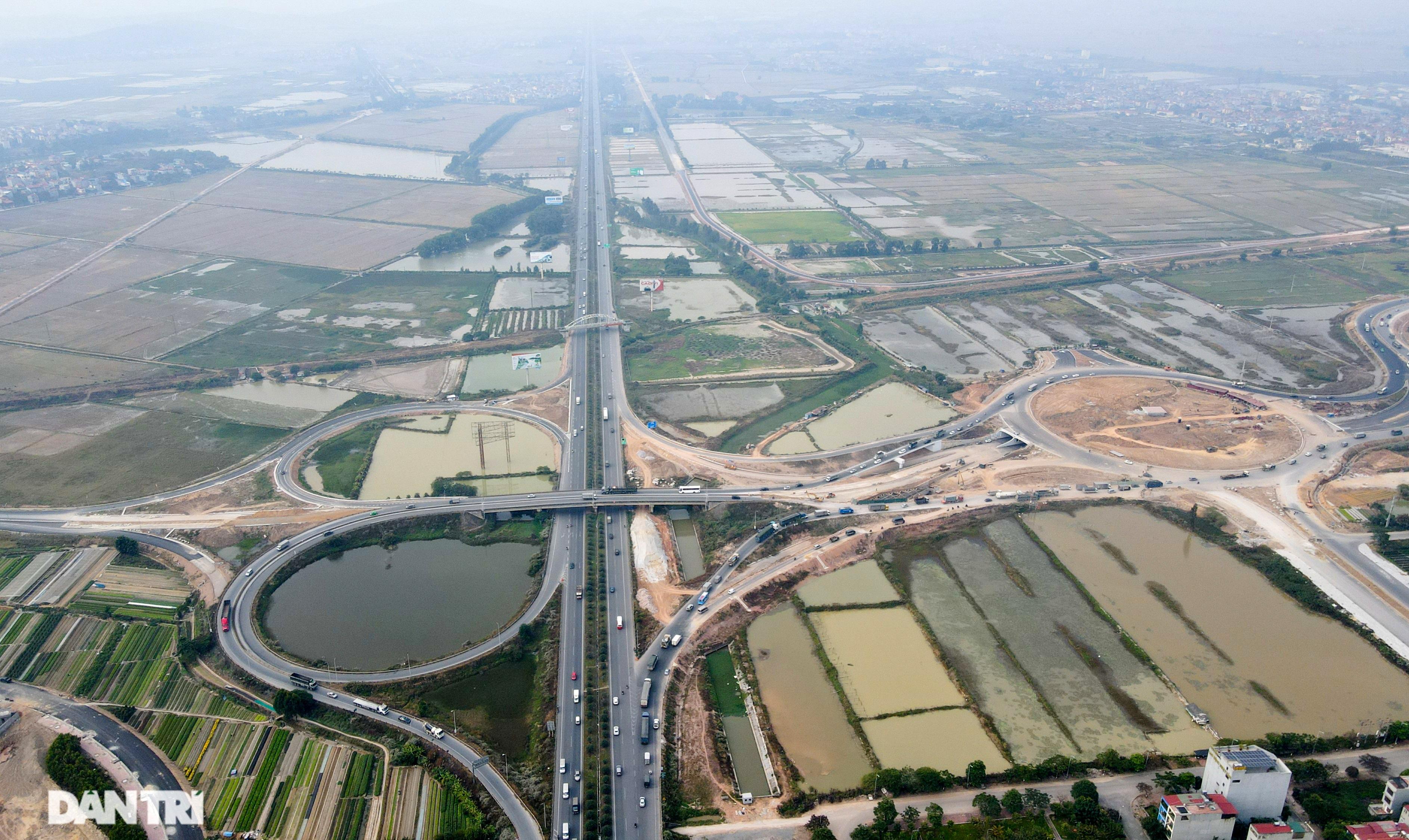 Loạt công trình giao thông trăm tỷ chạy đua với Tết - 1
