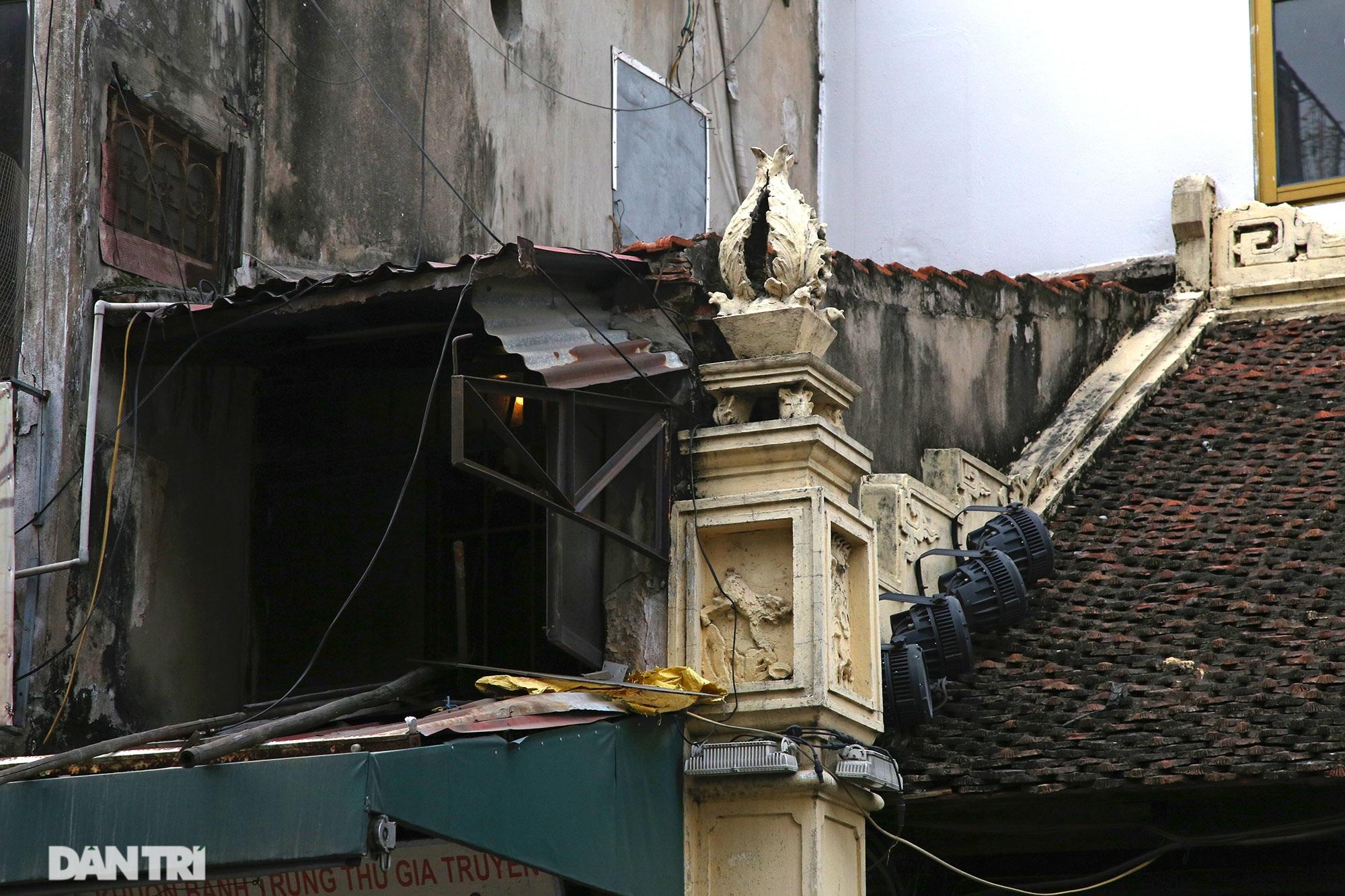 Những ngôi đình cổ ở 36 phố phường đang dần biến mất - 13